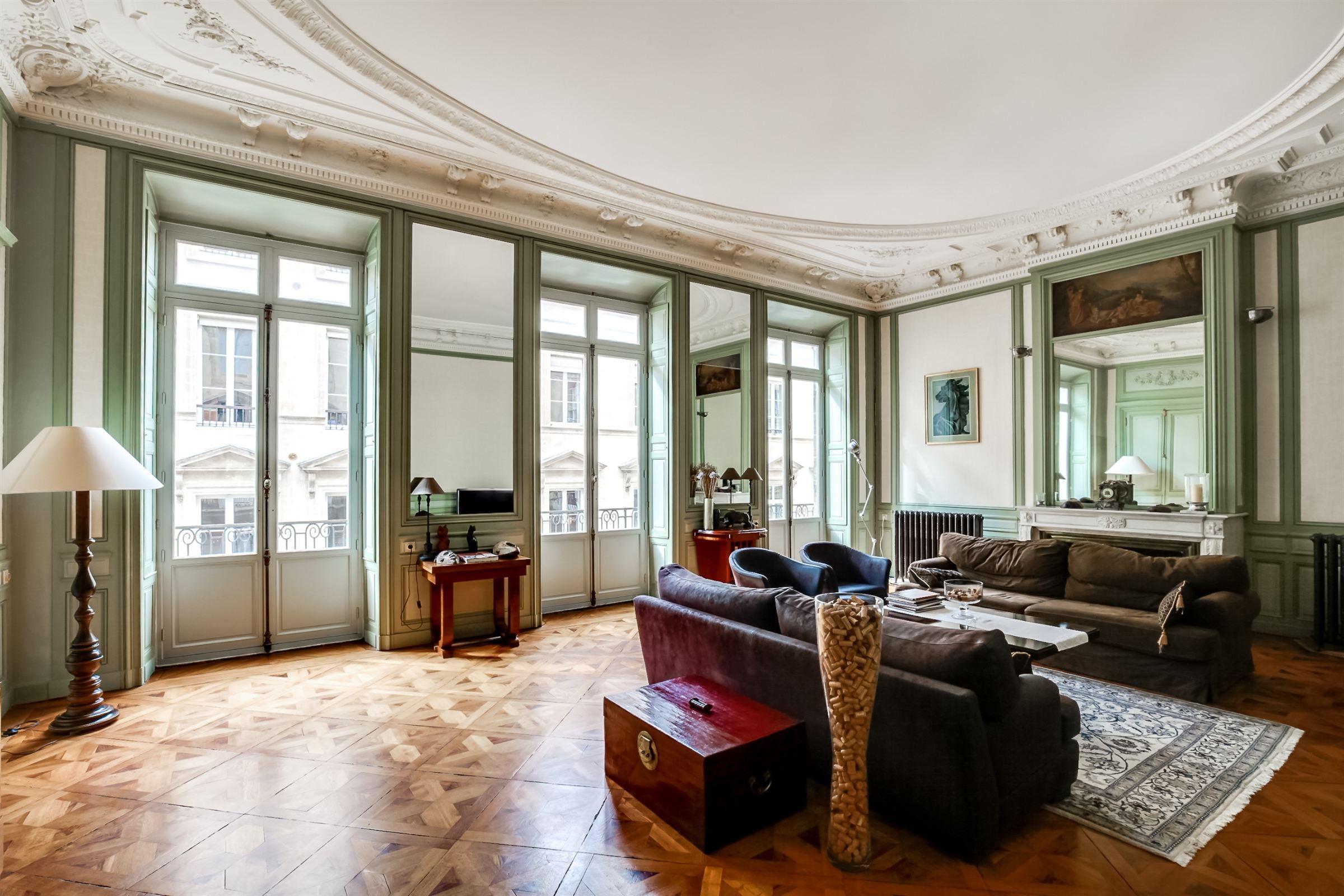 Appartement pour l Vente à Apartment Bordeaux, Aquitaine, 33000 France