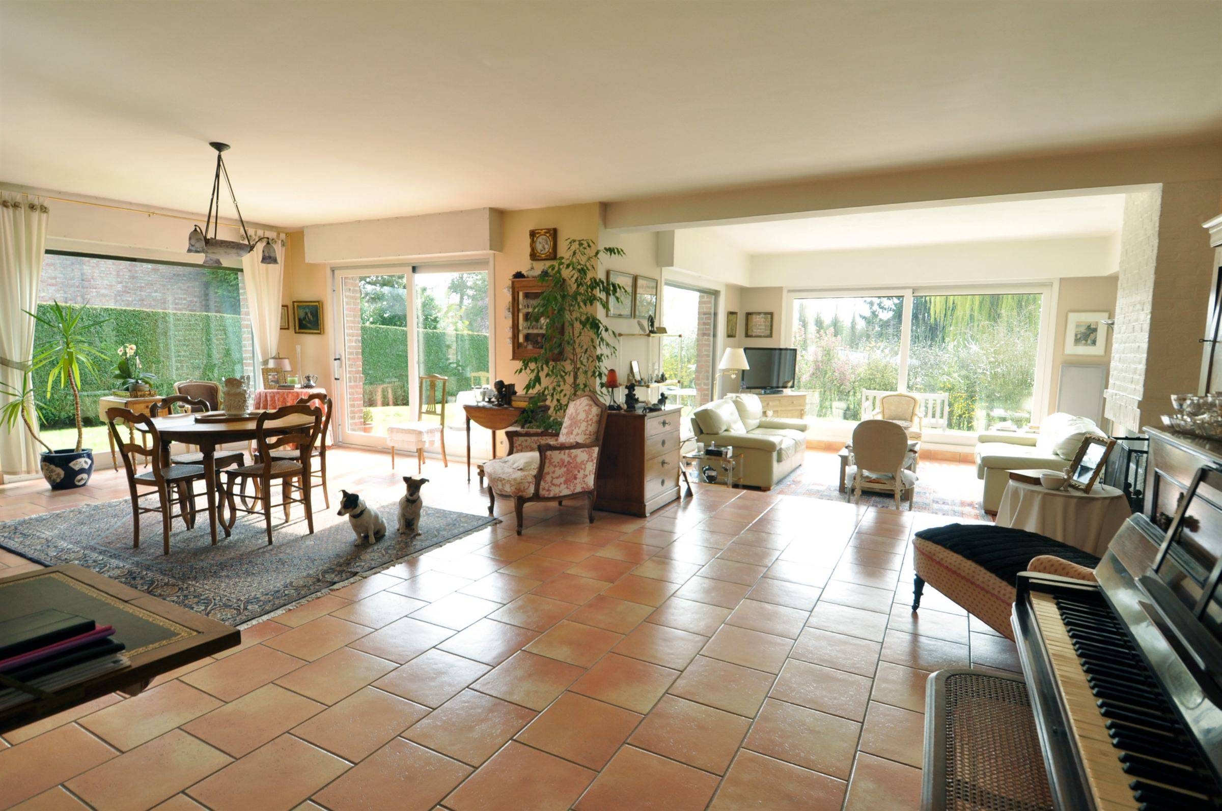 Property For Sale at ESCOBECQUES, Charming Family villa of 265 m², 5 bedrooms