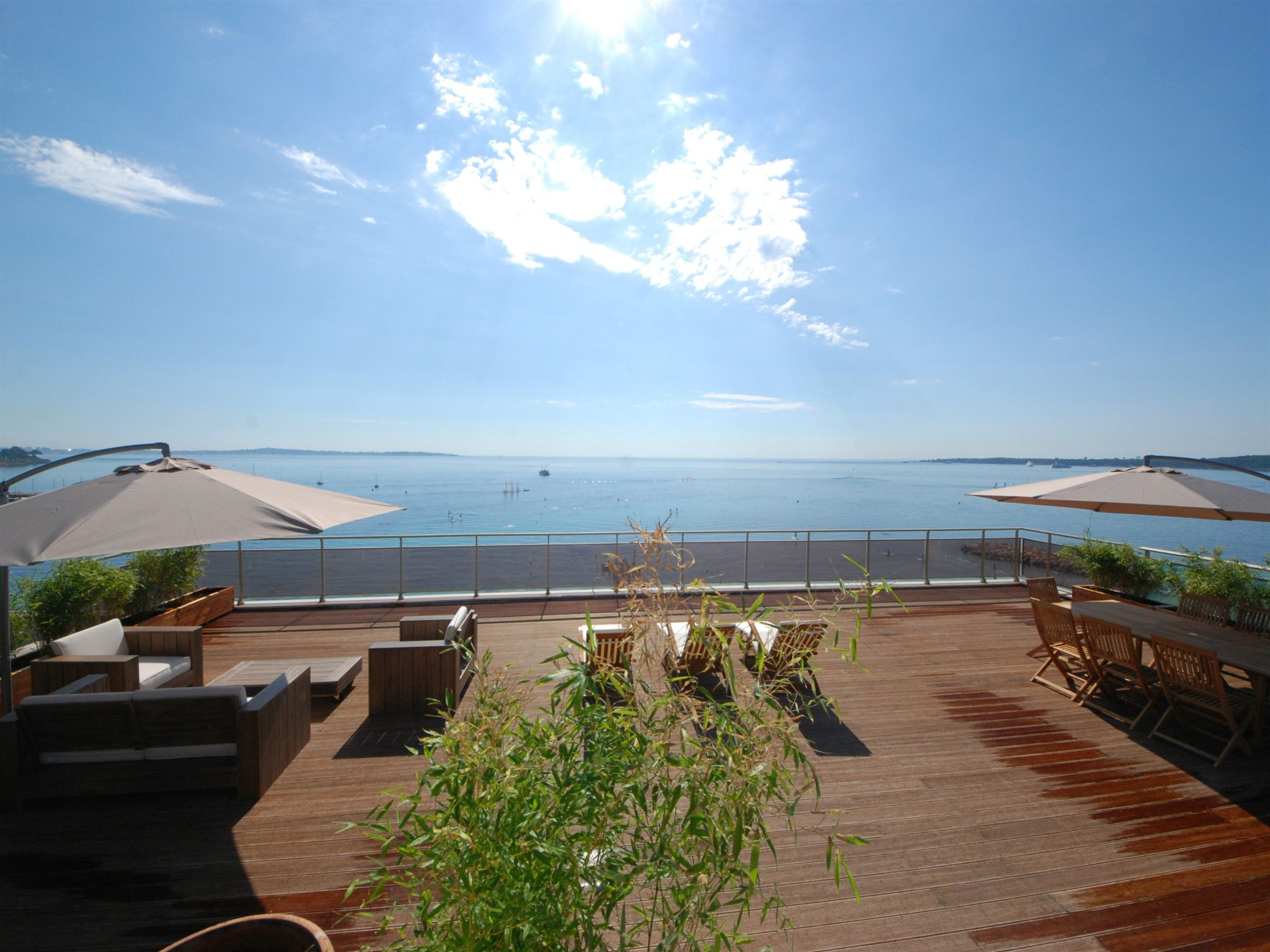 Apartment for Sale at Top floor apartment with roof terrace Cannes, Provence-Alpes-Cote D'Azur 06400 France