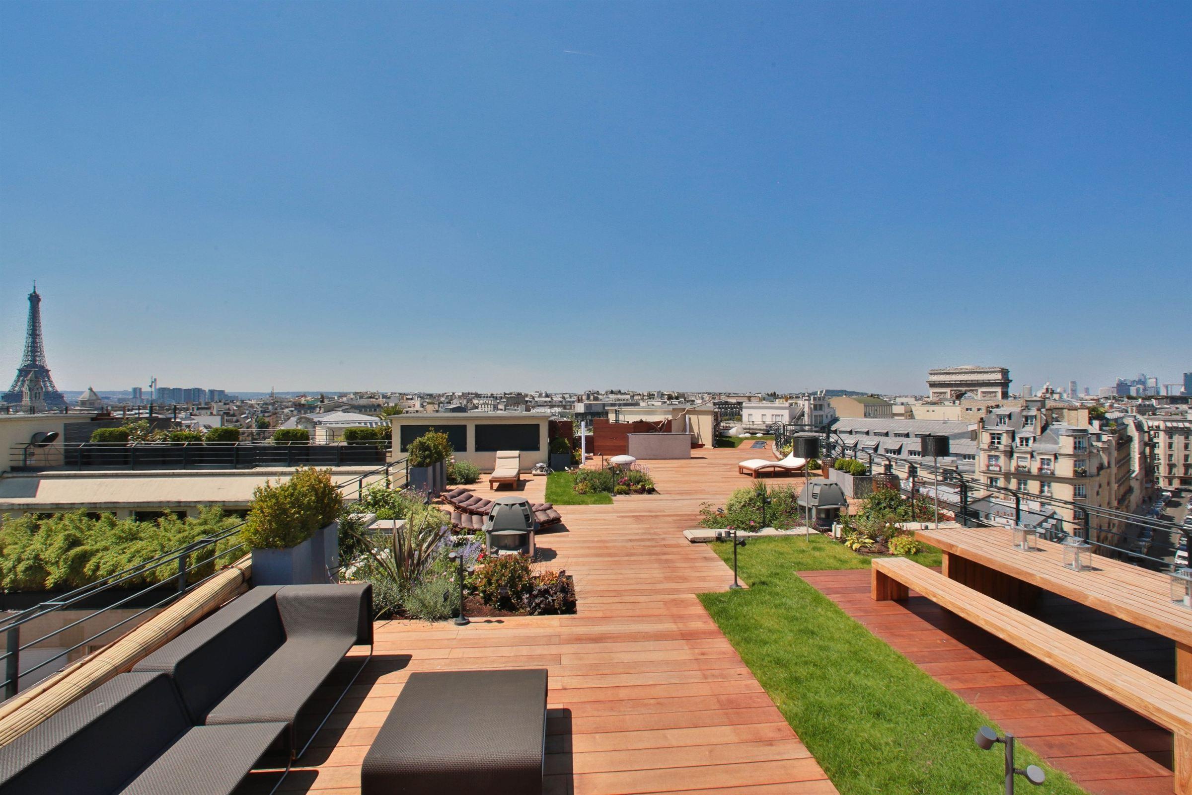 Dubleks için Satış at A 302 sq.m Penthouse for sale, Eiffel Tower view Paris 8 - Champs Elysées Paris, Ile-De-France, 75008 Fransa