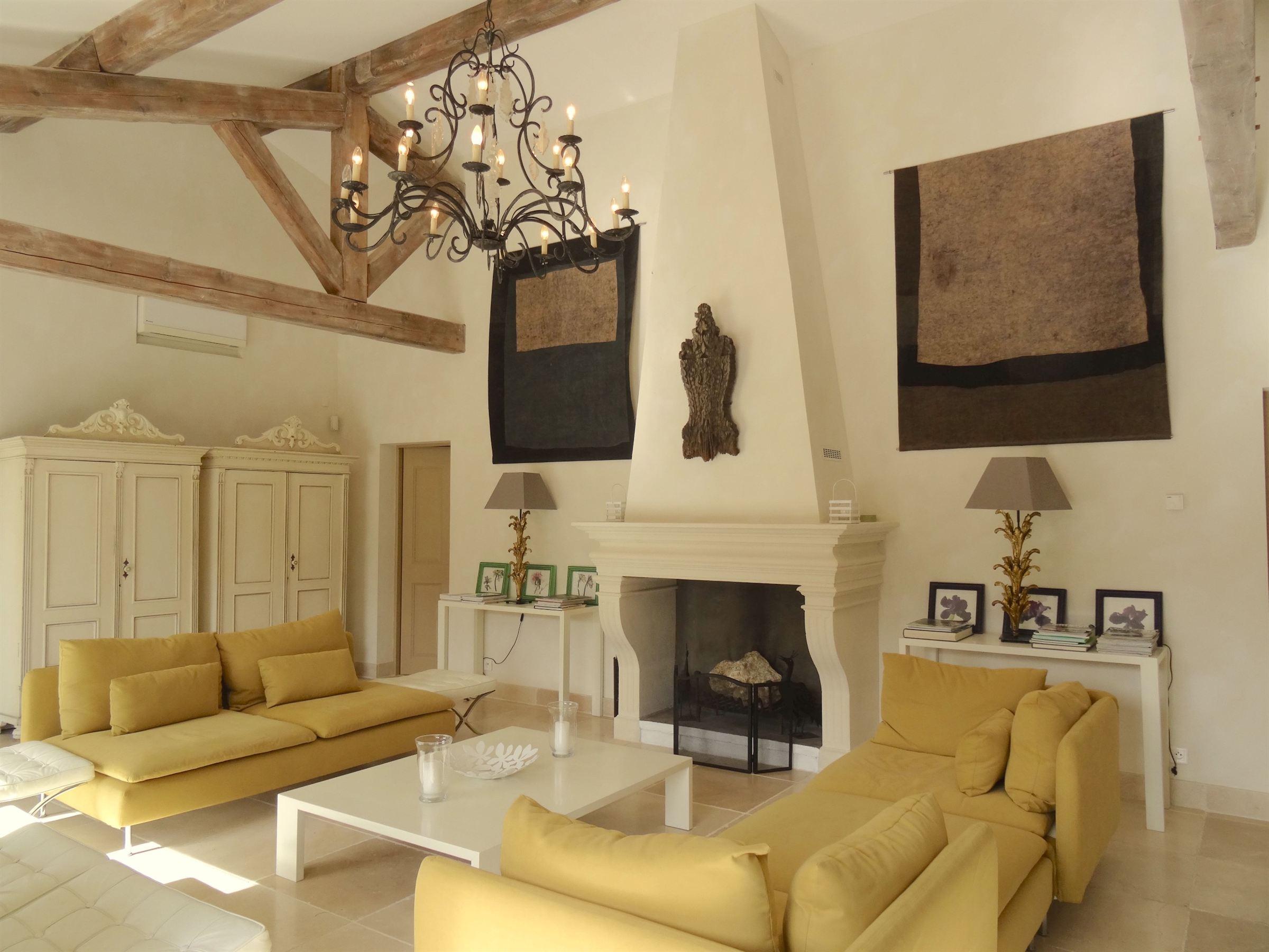 rentals property at Propriété située à Eygalières