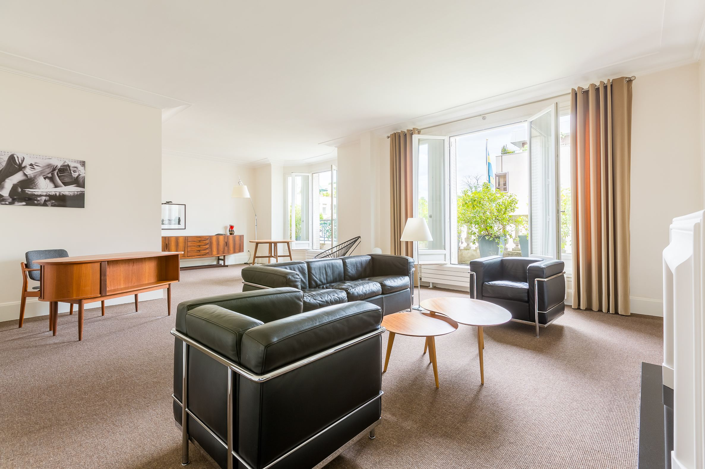 sales property at Rodin museum close to Invalides