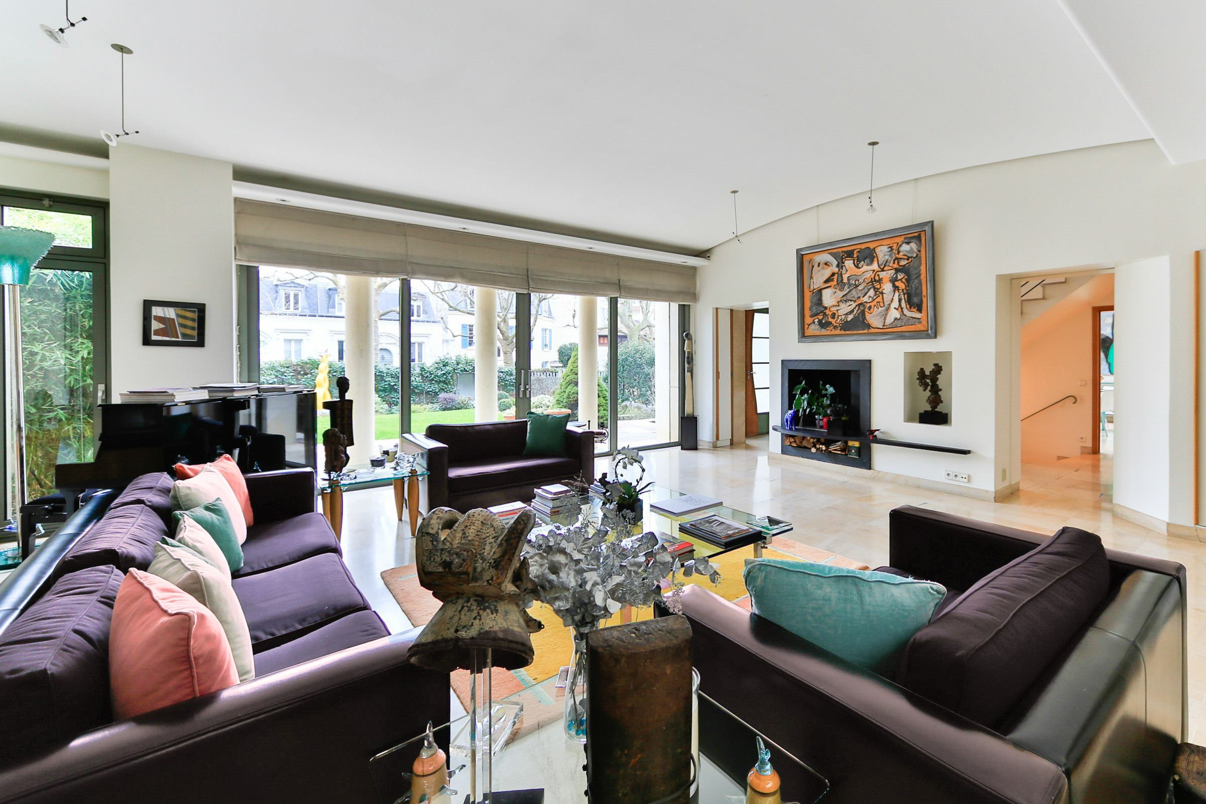 sales property at Paris 16 - Villa Montmorency. Private Mansion. Quiet environment.