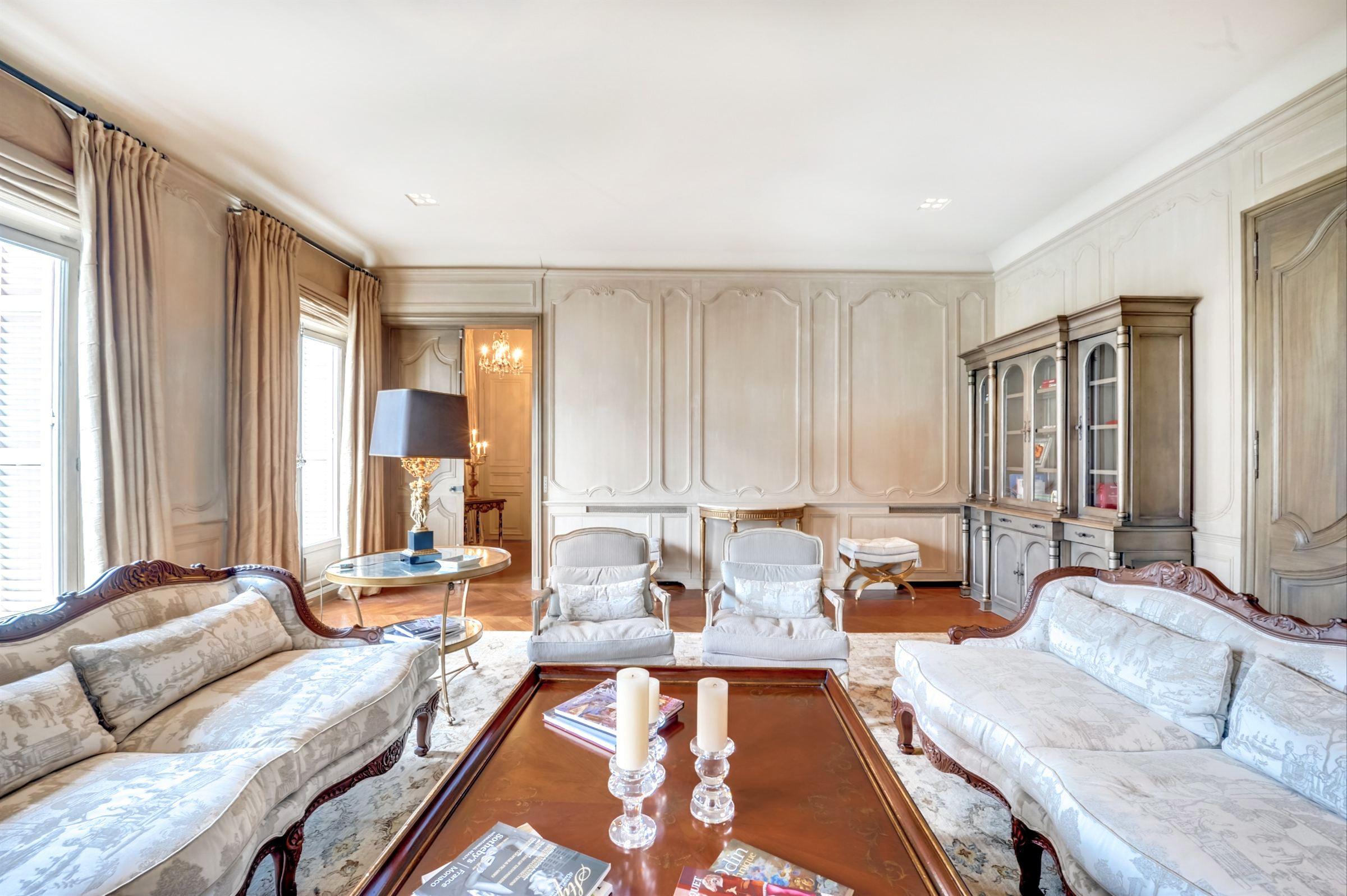 sales property at For sale prestigious through apartment in Paris 16 - Avenue Kléber