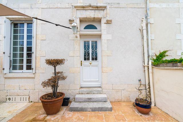Single Family Homes 为 销售 在 PROPERTY THE GENETTE 拉罗谢尔, 普瓦图夏朗德 17000 法国