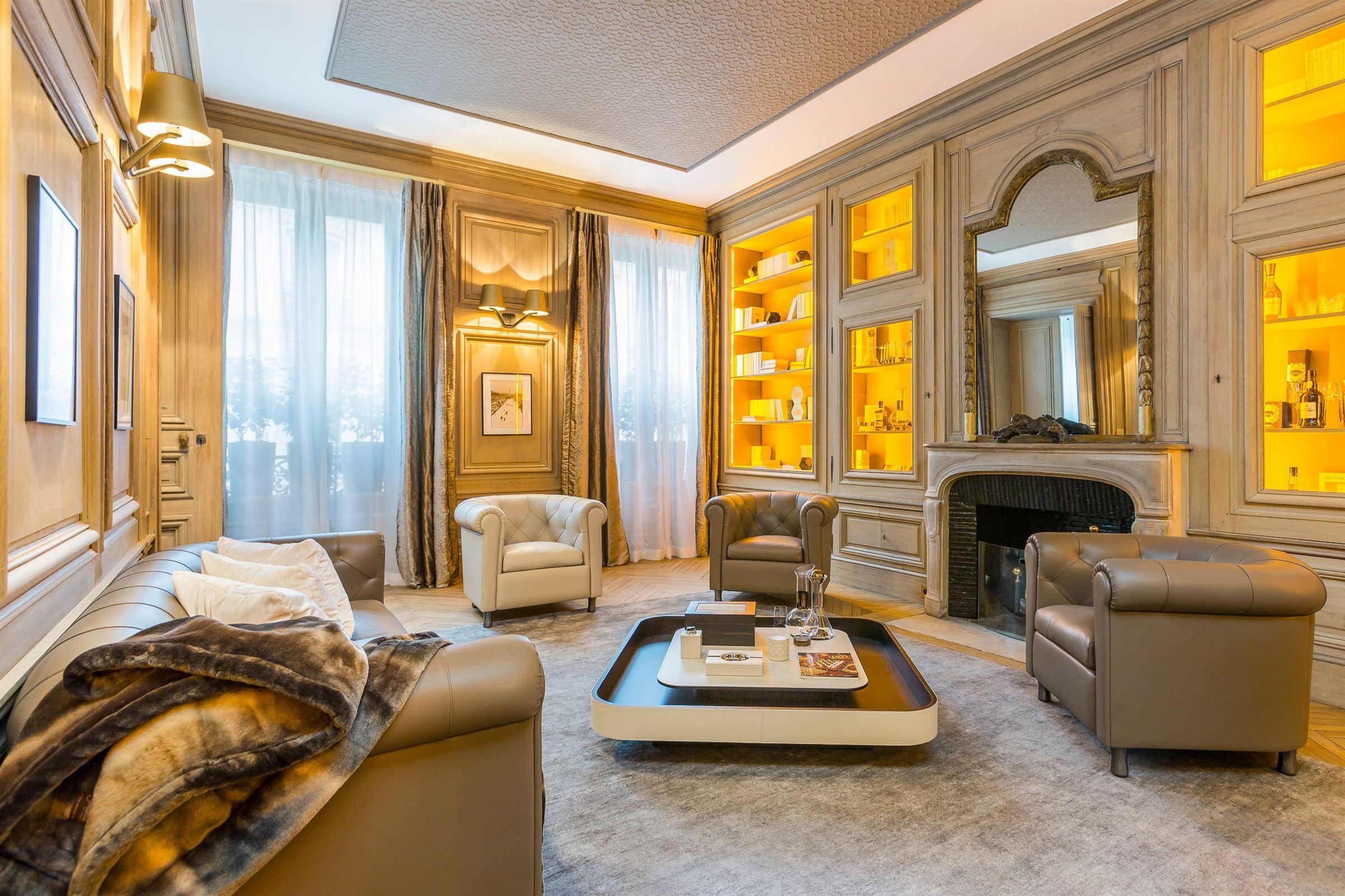Căn hộ vì Bán tại Prestigious apartment for sale, Paris 8 - Faubourg Saint Honoré, 3 bedrooms Paris, Ile-De-France, 75008 Pháp