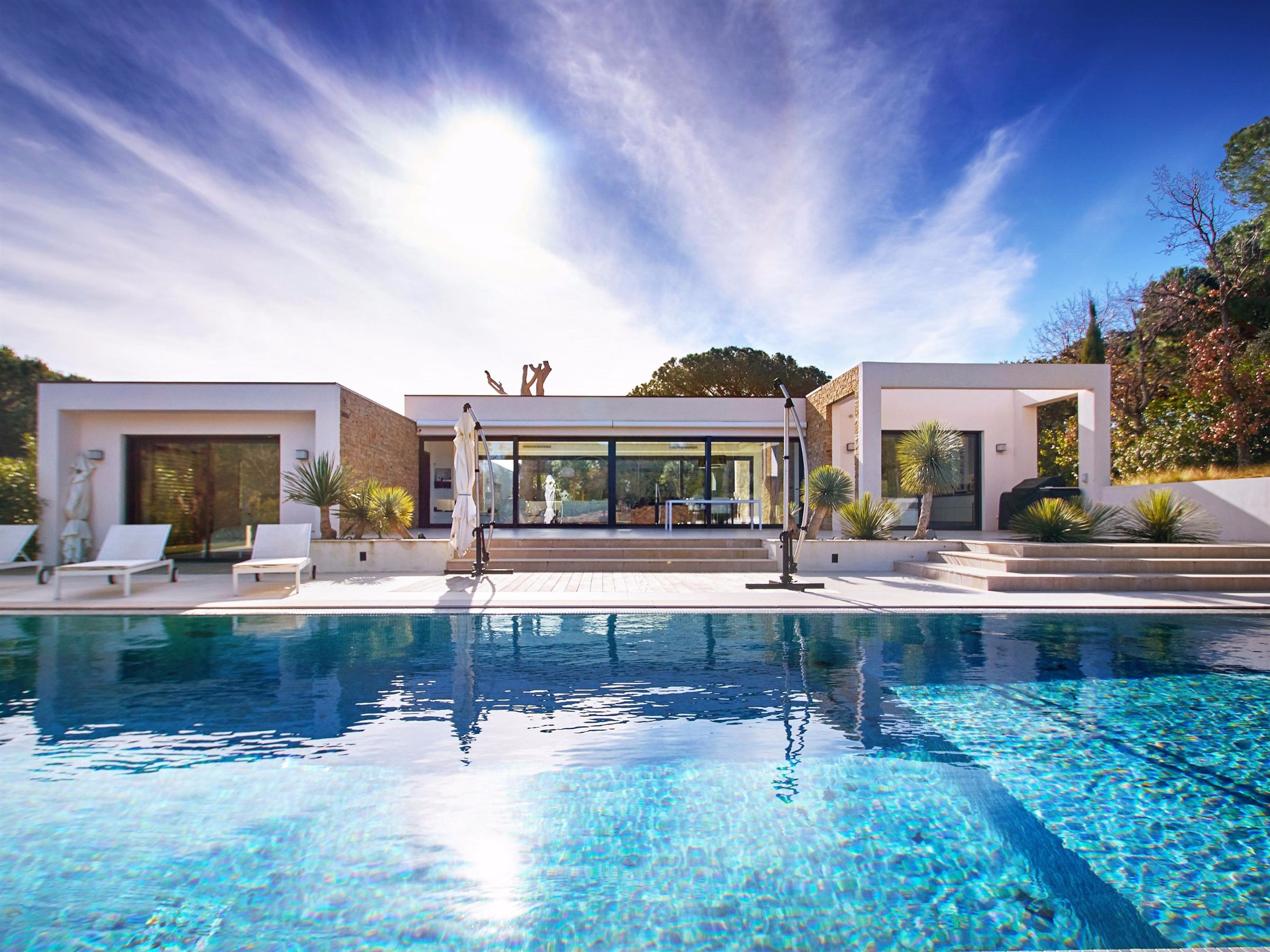 Single Family Home for Sale at Contemporary estate between the village and the beaches Ramatuelle, Provence-Alpes-Cote D'Azur 83350 France