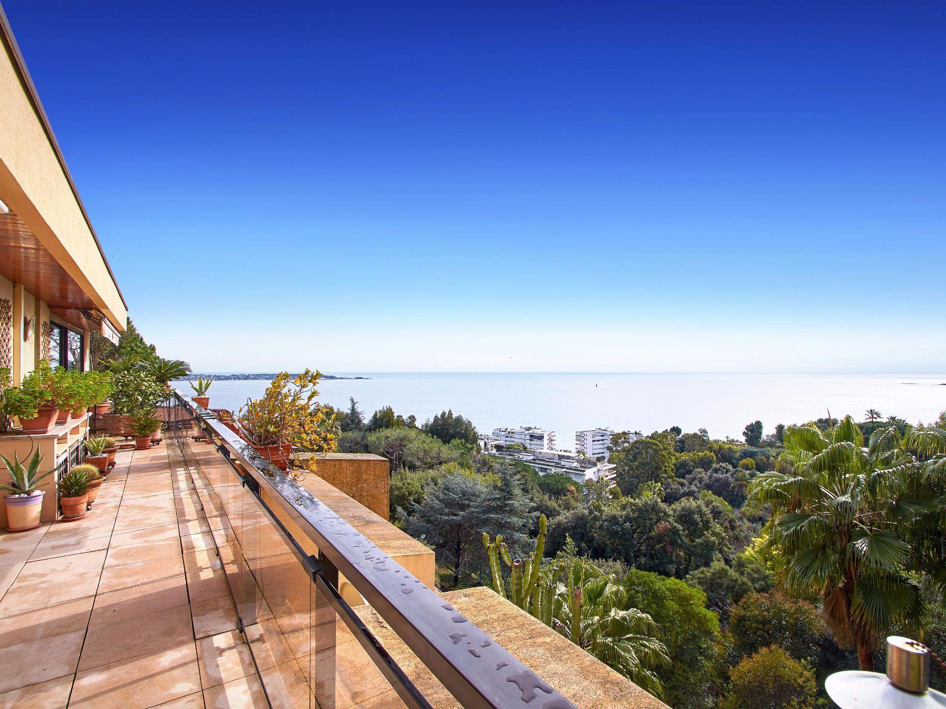 公寓 为 销售 在 Sole agent - In the heart of Cannes Eden, apartment with sea views 坎尼, 普罗旺斯阿尔卑斯蓝色海岸, 06400 法国