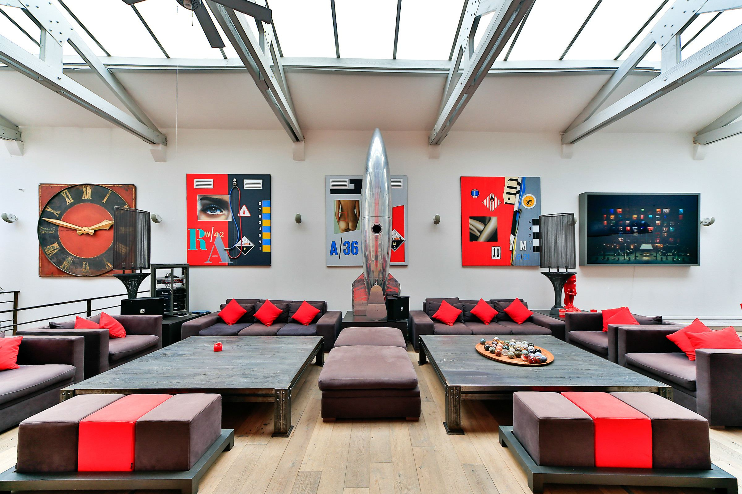 Property For Sale at Puteaux - Center. A 800 sq.m Townhouse / Loft, renovated by a designer