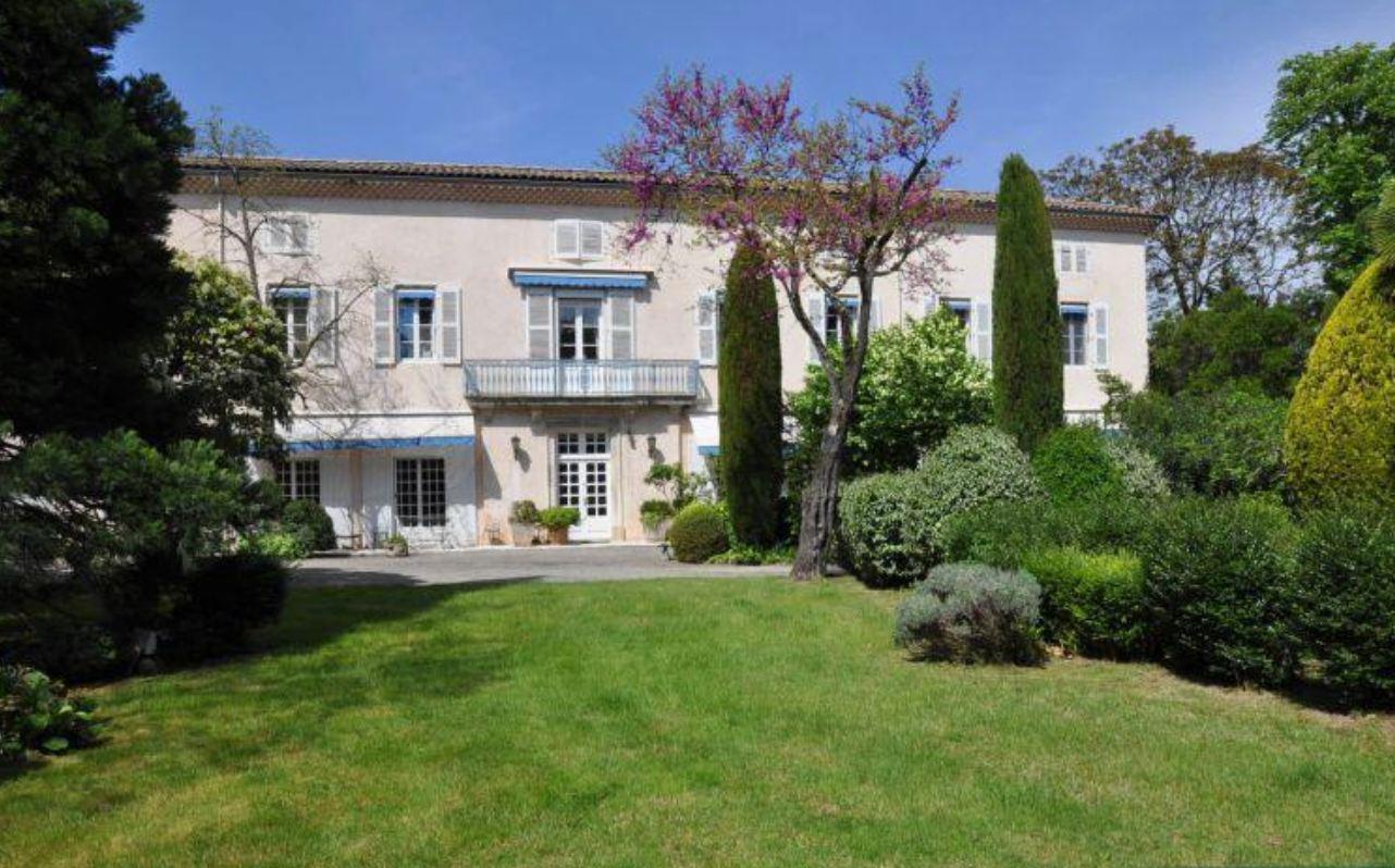 sales property at LYON 1 ER-CROIX ROUSSE-PLACE DES CHARTREUX