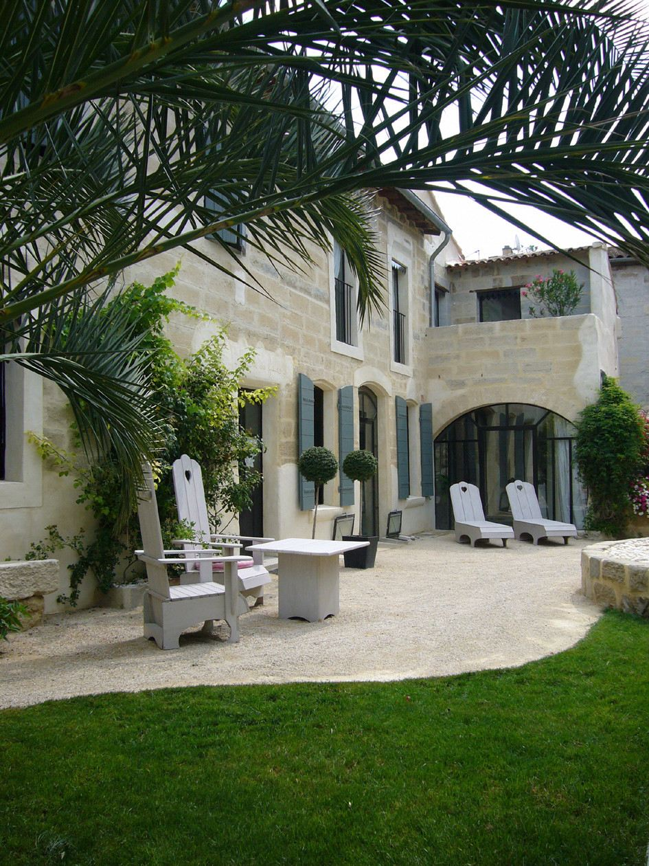 sales property at Charming and typical townhouse with garden and pool