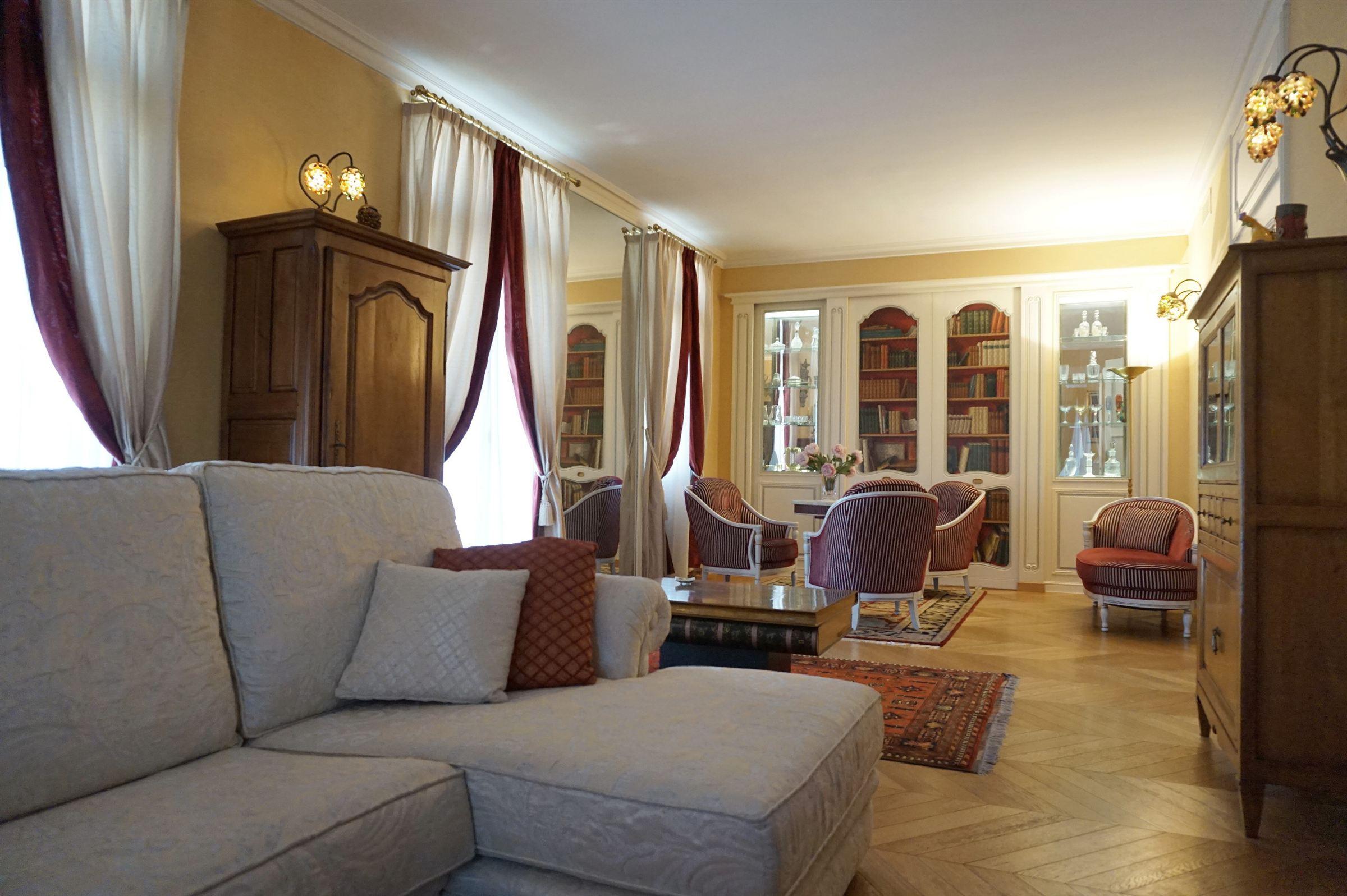 アパート のために 売買 アット PERPIGNAN DUPLEX CHIC : 303m²; terrasse, ascenseur privé Perpignan, ラングドック=ルション, 66000 フランス