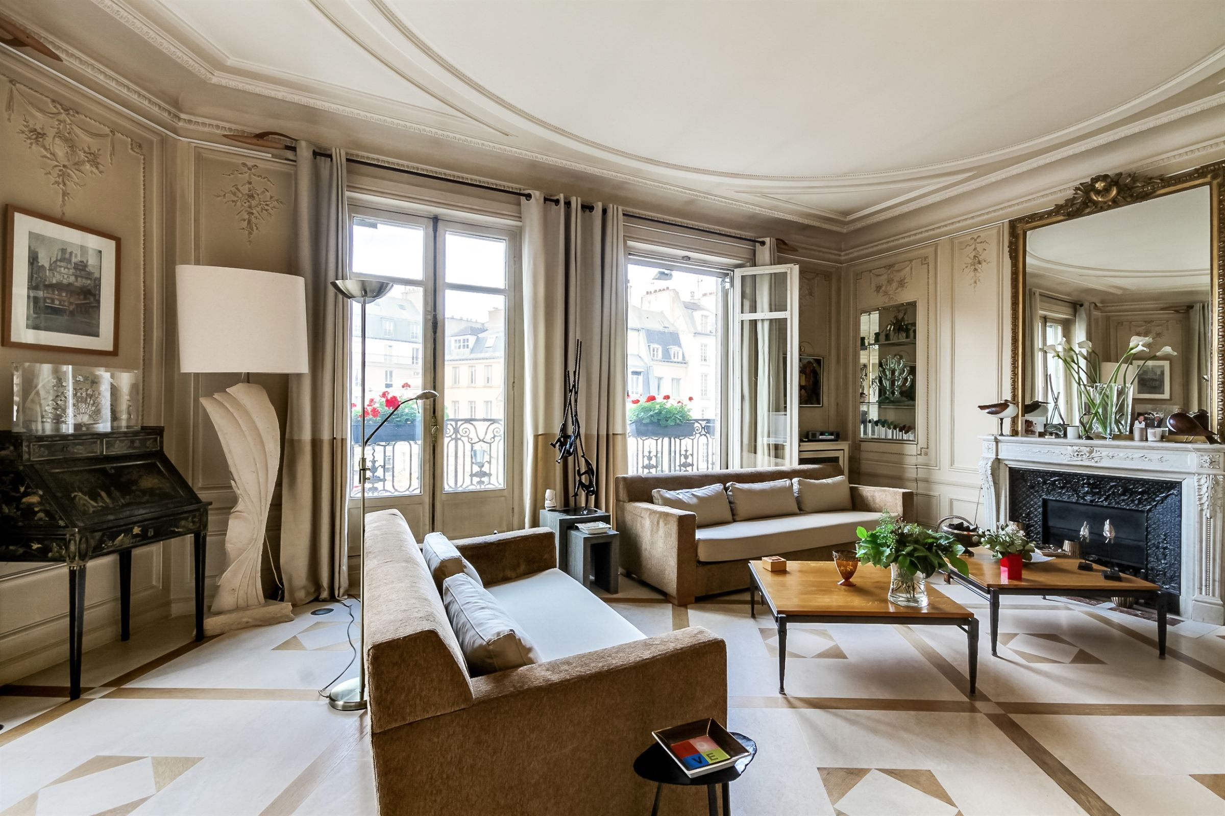 Property For Sale at Paris 6 - St-Germain. Apartment 157 sq.m.. Open view