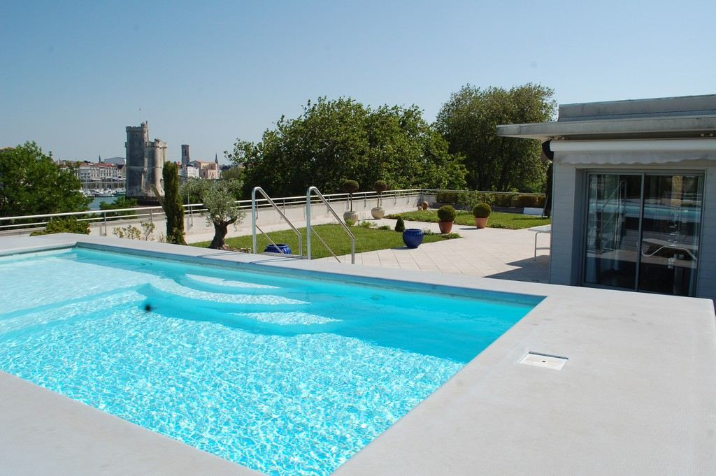 Property For Sale at Penthouse with roof top terrace and swimming pool