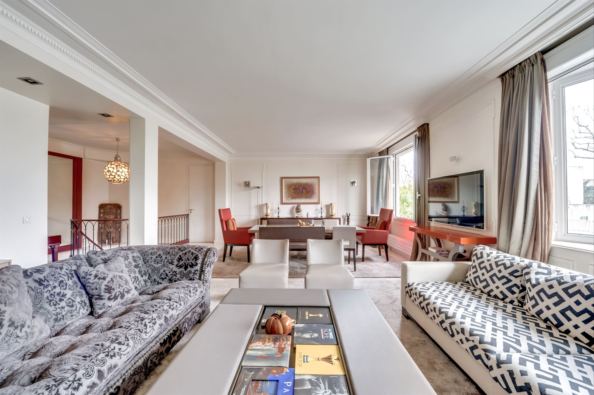 sales property at For sale garden level apartment in Paris 16 - Dufrenoy