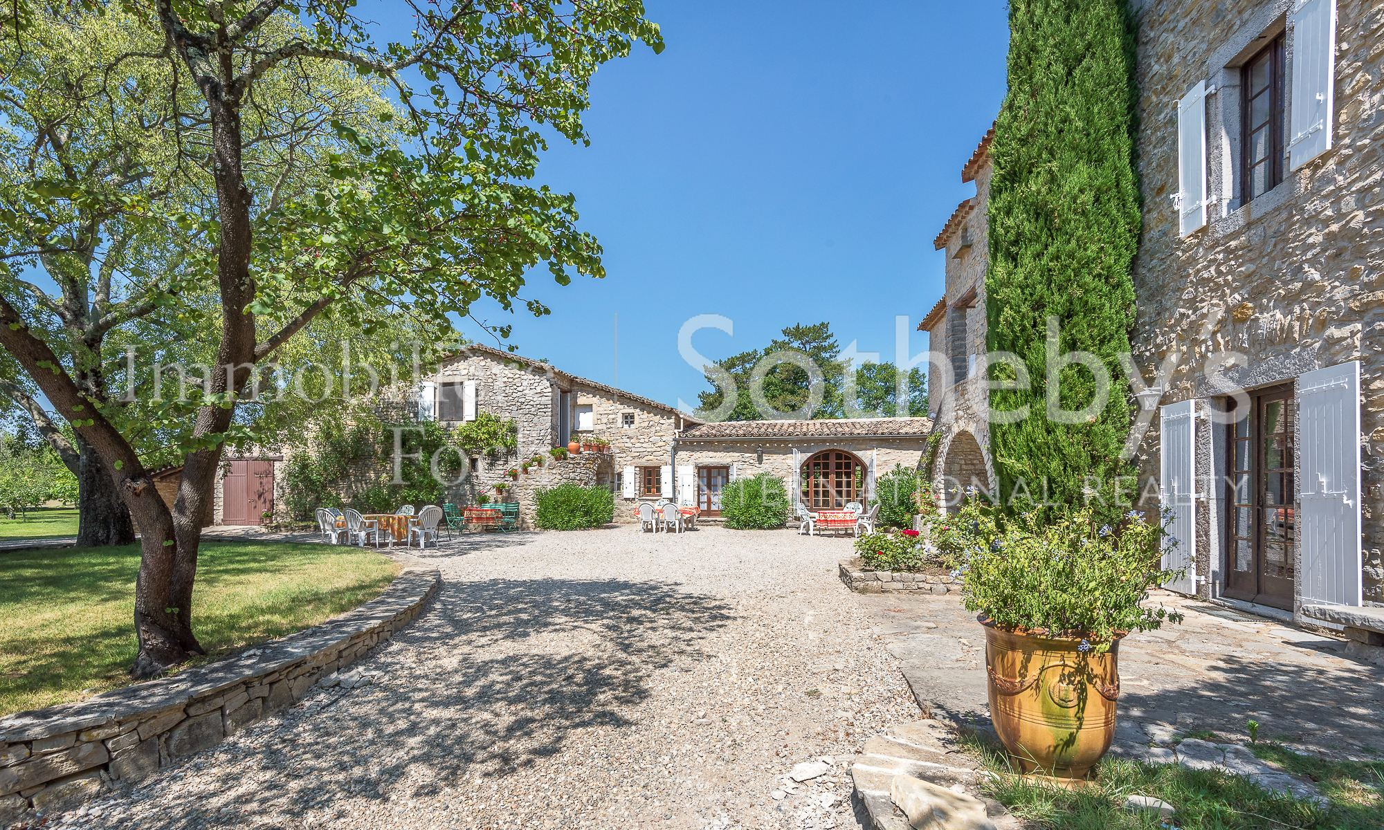 Property For Sale at BEAUTIFUL HOUSE NEAR SAUVE