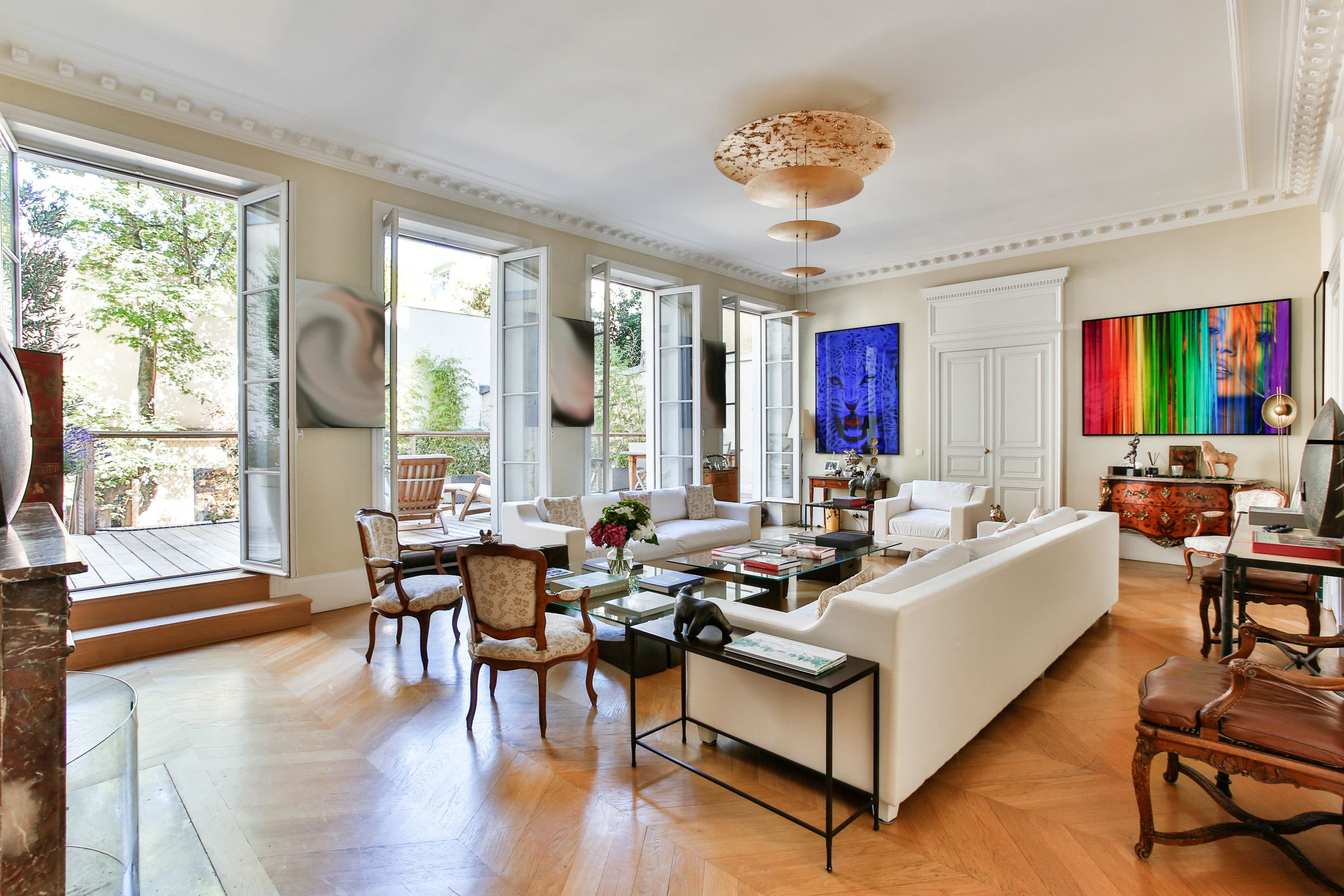 sales property at Paris 8 - Fbg-Saint-Honoré. Private mansion 420 sq.m.. Exceptional amenities