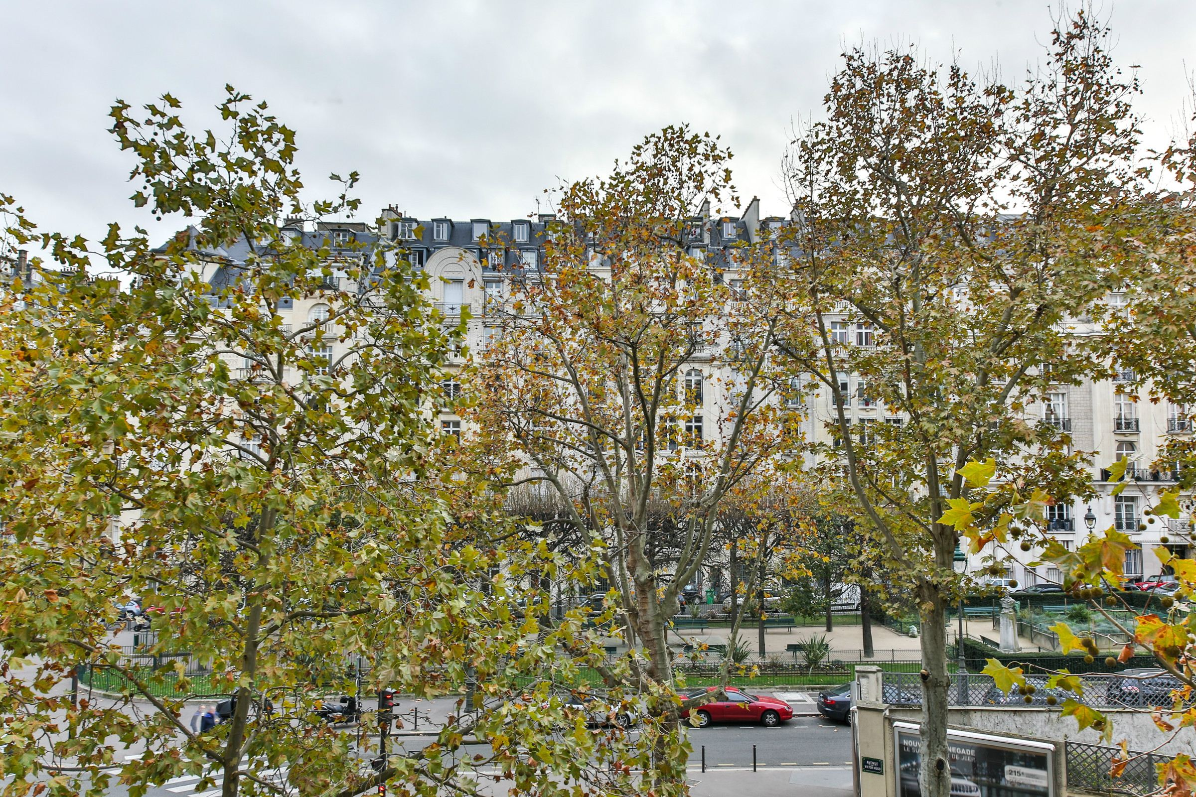 Property For Sale at Paris 16 - Victor Hugo. Family apartment 343 sq.m - Clear and open view