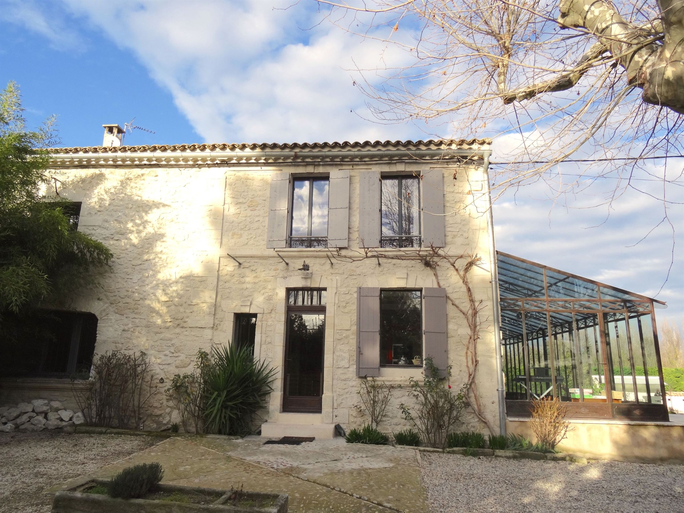 Property For Sale at Renovated farmhouse located in Avignon, close to the city center