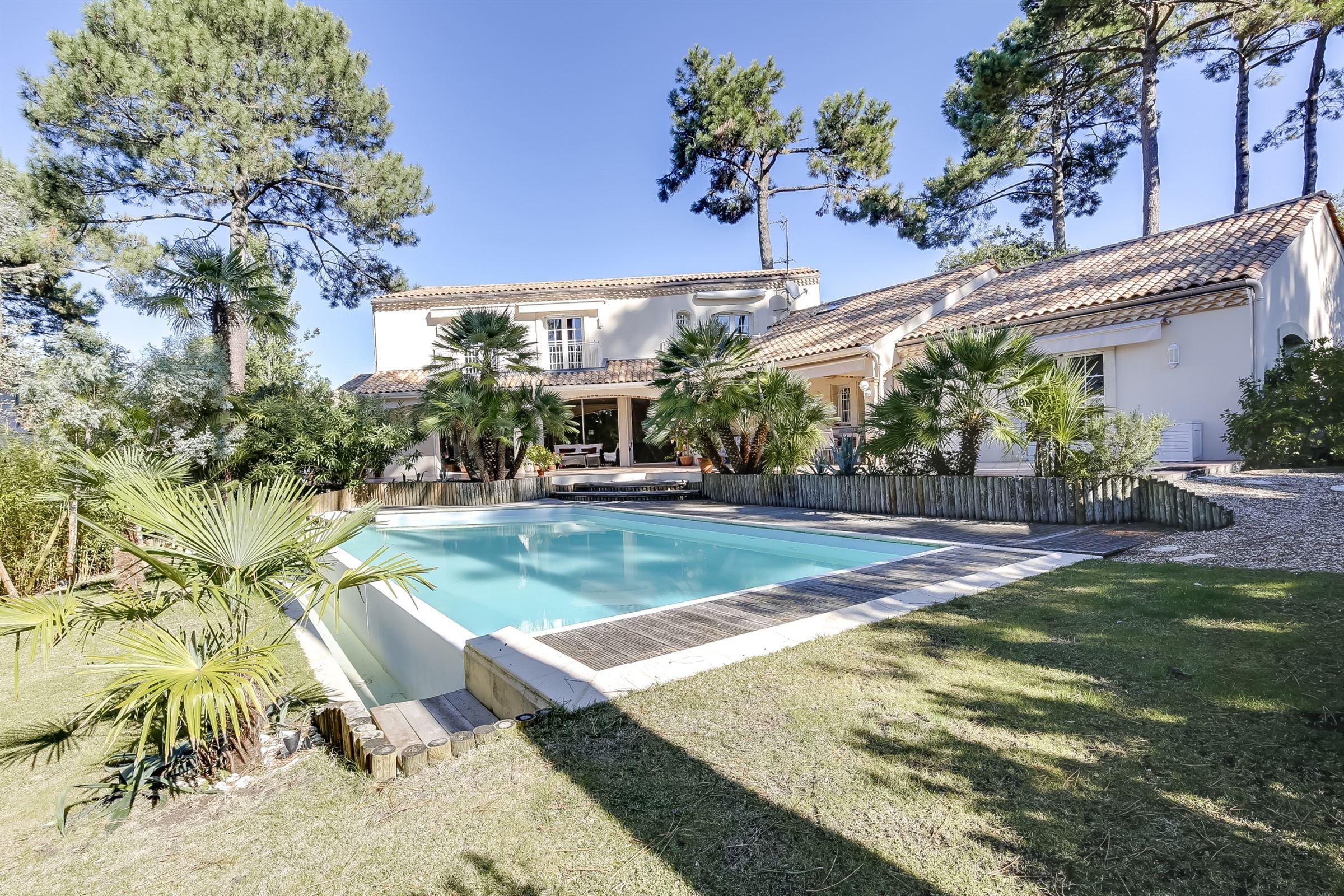 一戸建て のために 売買 アット ARCACHON - BEAUTIFUL VILLA ON THE BAY Arcachon, アキテーヌ, 33120 フランス