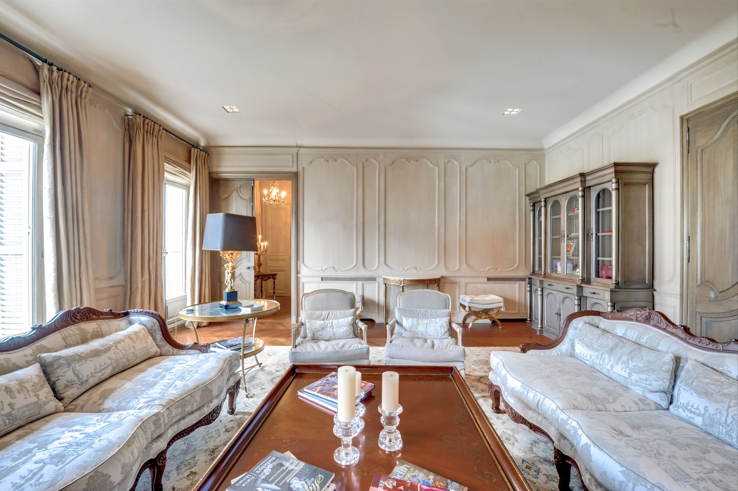 sales property at For sale prestigious through apartment in Paris 16 - Avenue Kléber