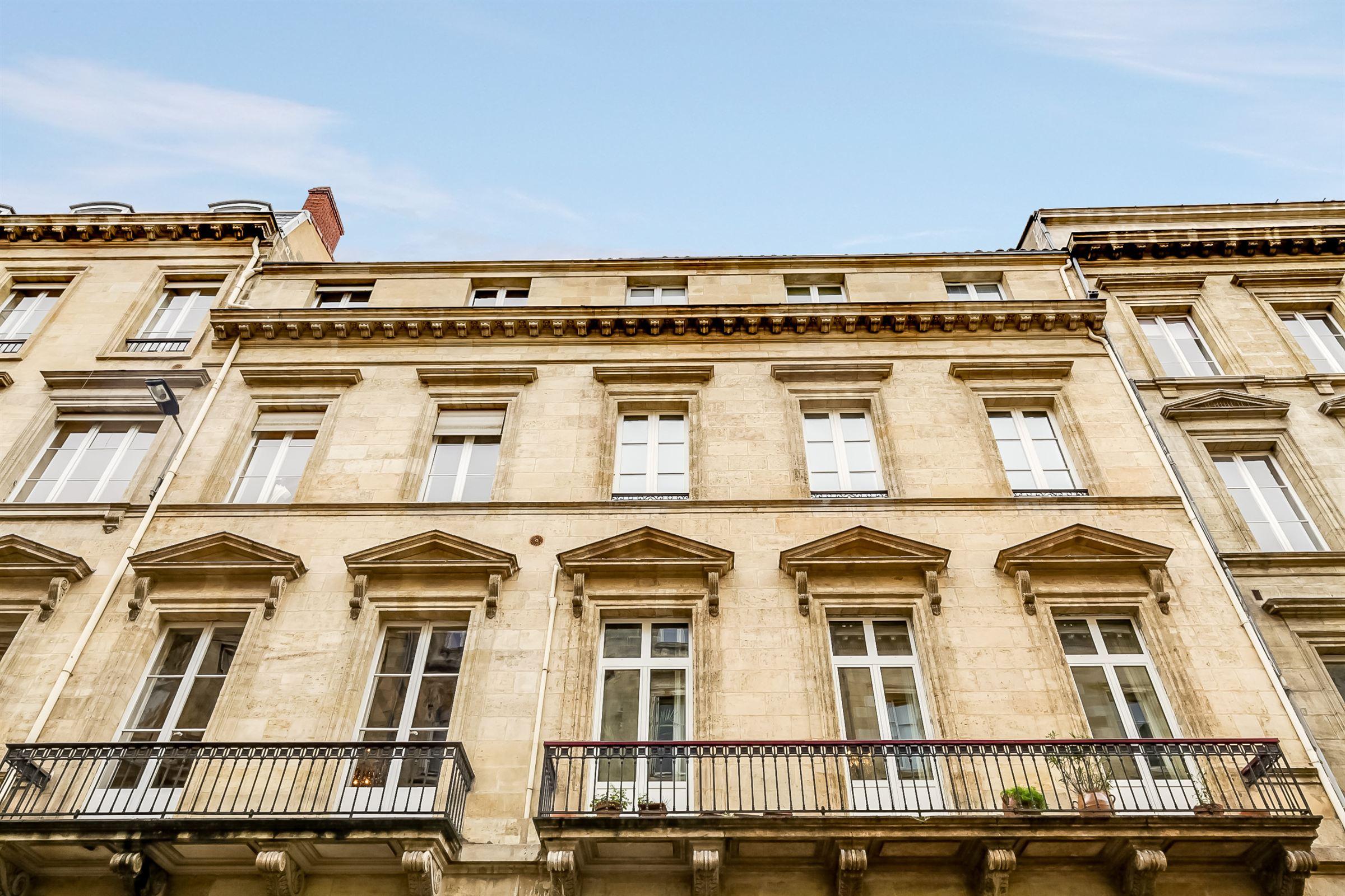 Apartment for Sale at BORDEAUX DOWNTOWN - RARE 18TH CENTURY APARTMENT WITH INDEPENDENT STUDIO Bordeaux, Aquitaine, 33000 France