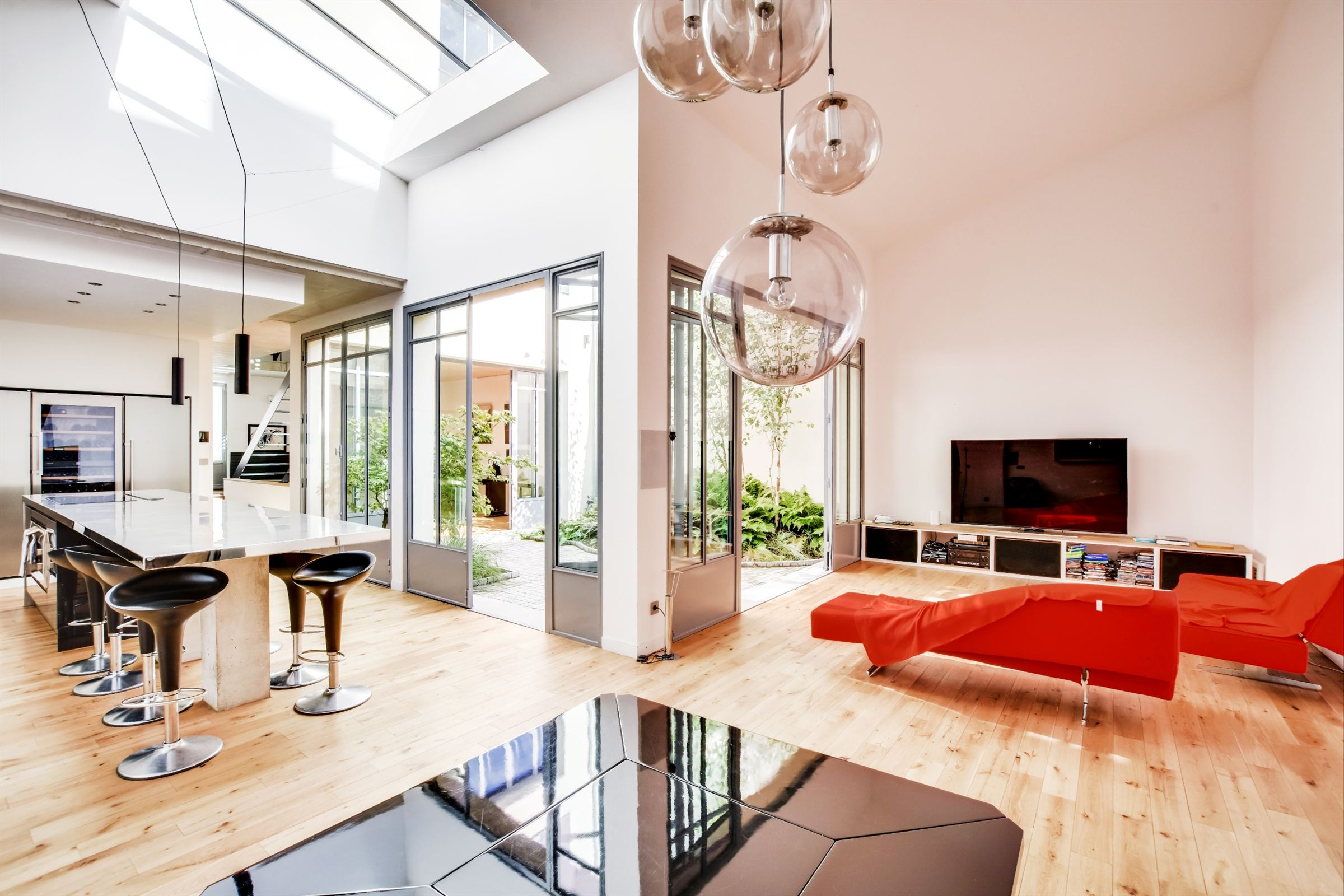 sales property at A 250 sq.m Architect-designed House for sale, Boulogne, Les Passages, 4 bedrooms