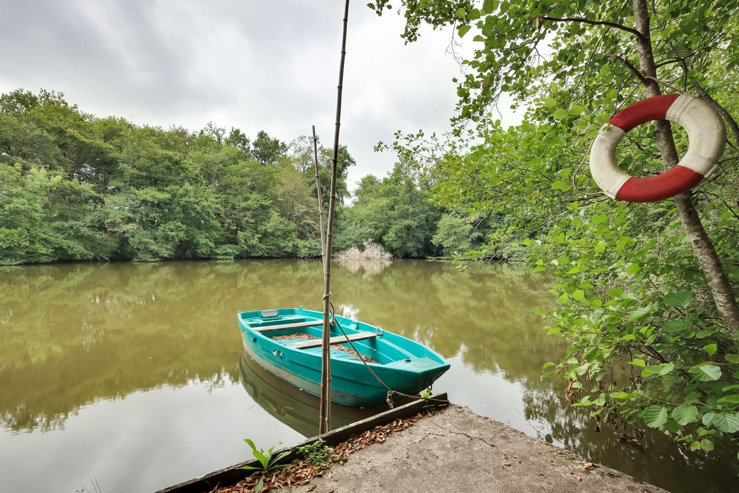 단독 가정 주택 용 매매 에 BORDEAUX 30MN - UNIQUE 10 HA PROPERTY WITH 2 PRIVATE LAKES Bordeaux, 아키텐주, 33000 프랑스
