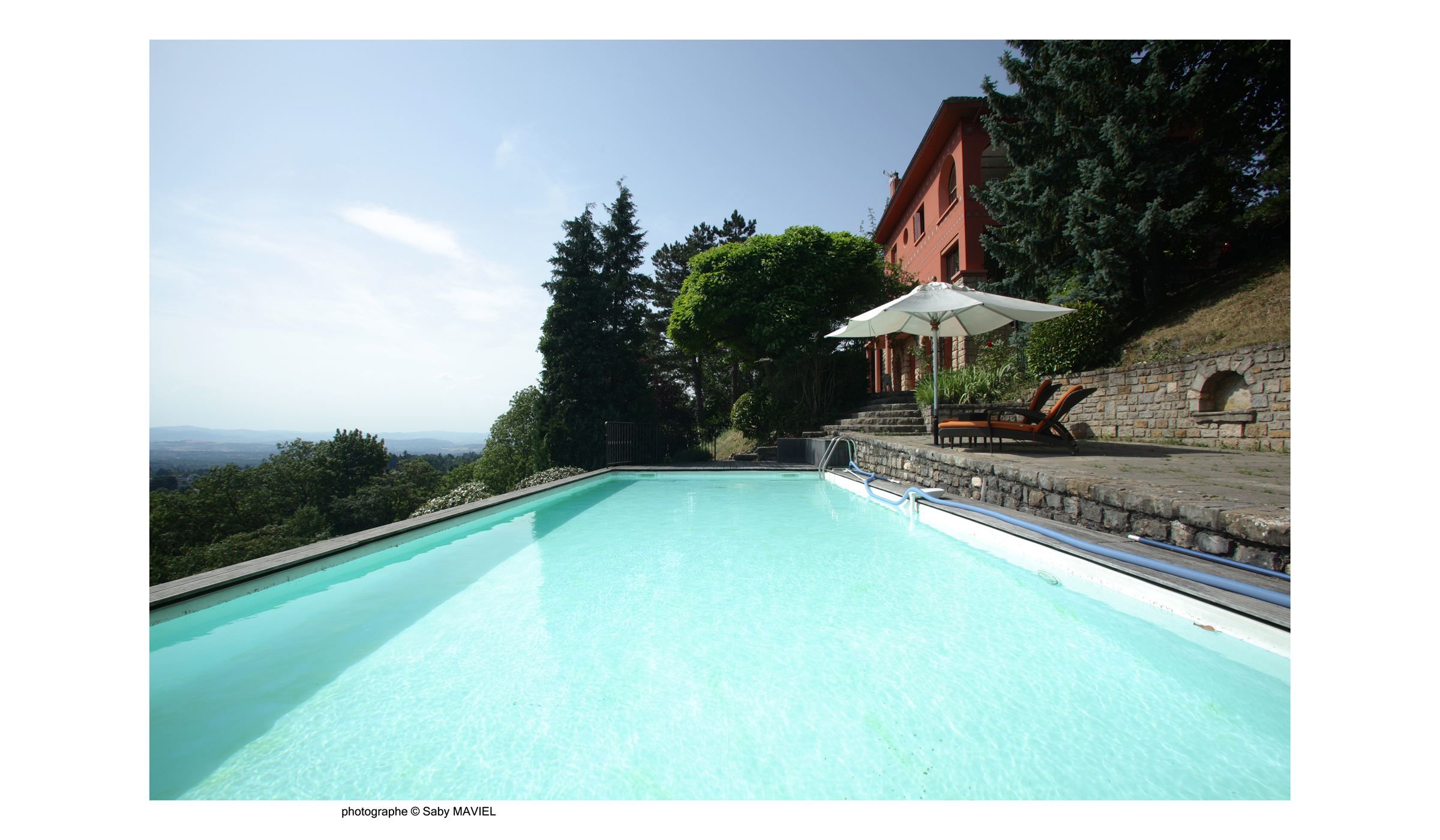 Property For Sale at SAINT DIDIER AU MONT D'OR - BELLE MAISON AVEC VUE IMPRENABLE