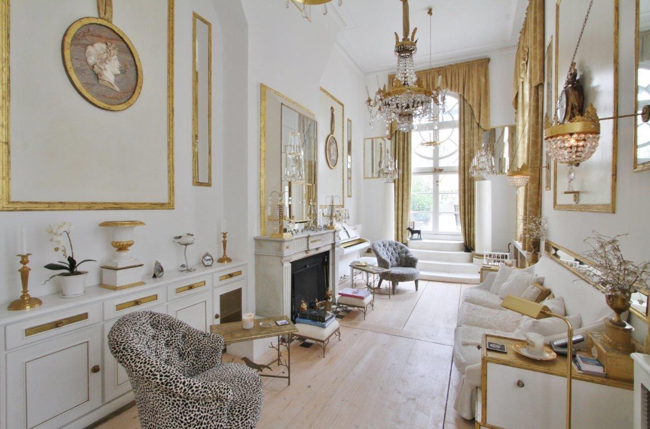 sales property at Un petit palais