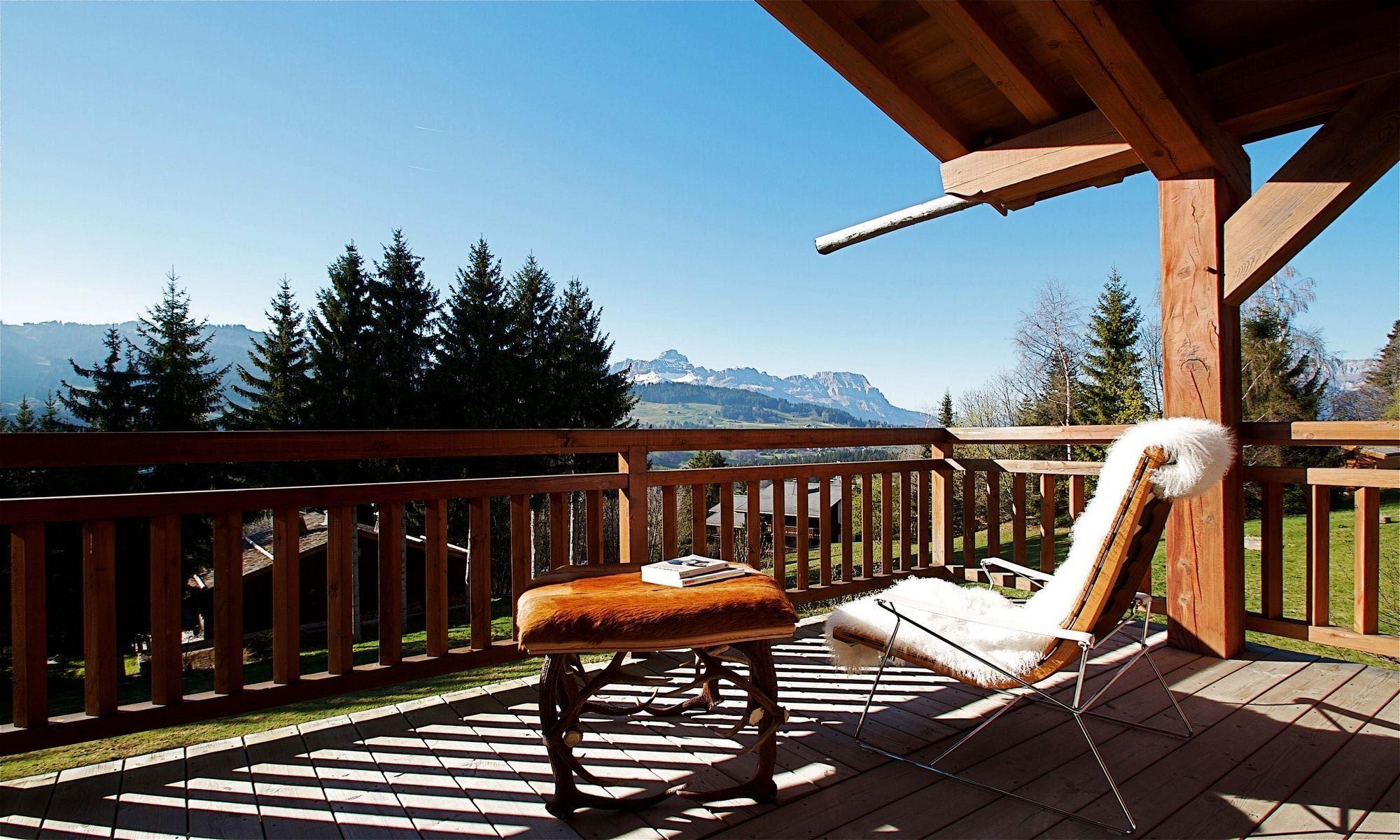 Property For Sale at Megève Mont d'Arbois Apartment/chalet Des Bois