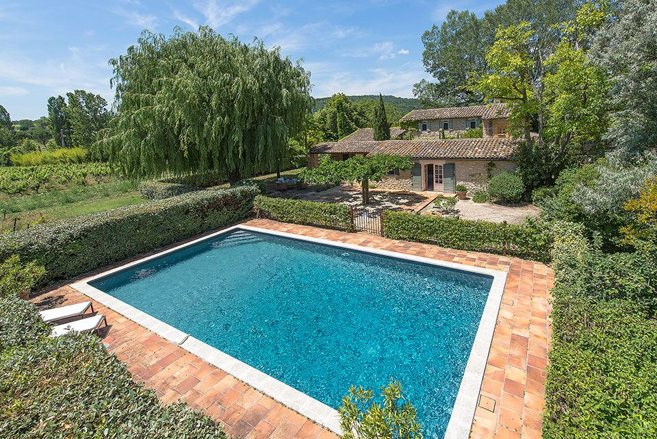sales property at A farmhouse in Gordes