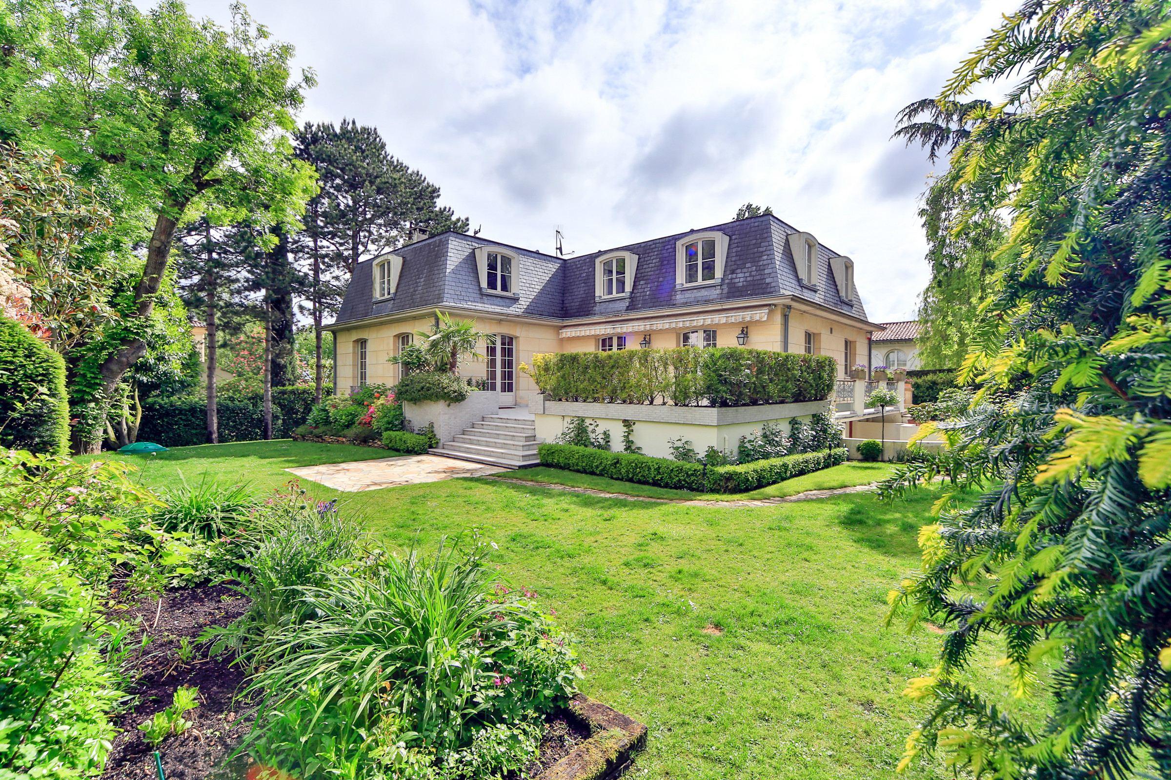 Property For Sale at Garches - Golf de St Cloud. A 380 sq.m Town House + a 1 300 sq.m land