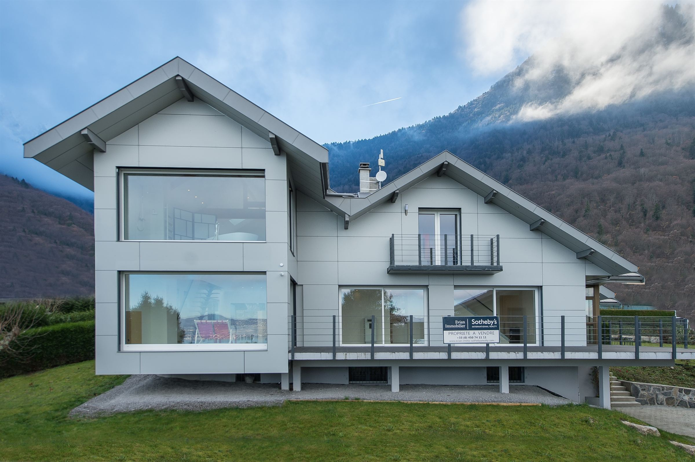 Single Family Home for Sale at ST GINGOLPH VILLA D'ARCHITECTE Other Rhone-Alpes, Rhone-Alpes, 74500 France