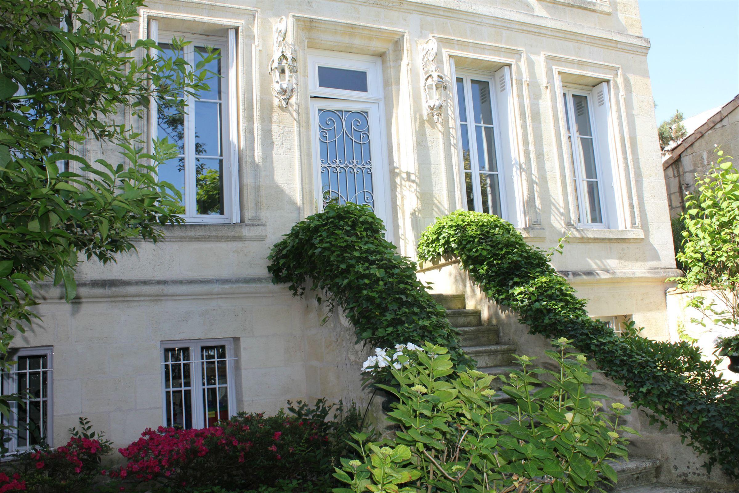 Maison unifamiliale pour l Vente à Manor house Bordeaux, Aquitaine 33200 France