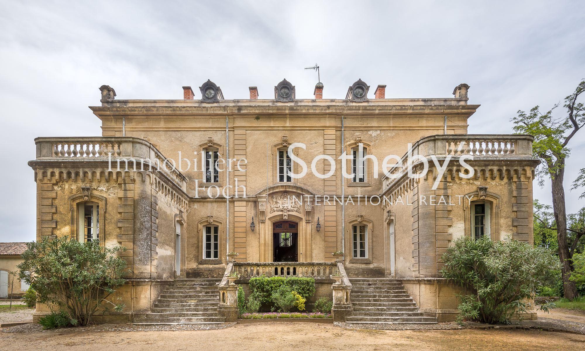 Einfamilienhaus für Verkauf beim EXCEPTIONAL AUTHENTIC PROPERTY Uzes, Languedoc-Roussillon, 30700 Frankreich