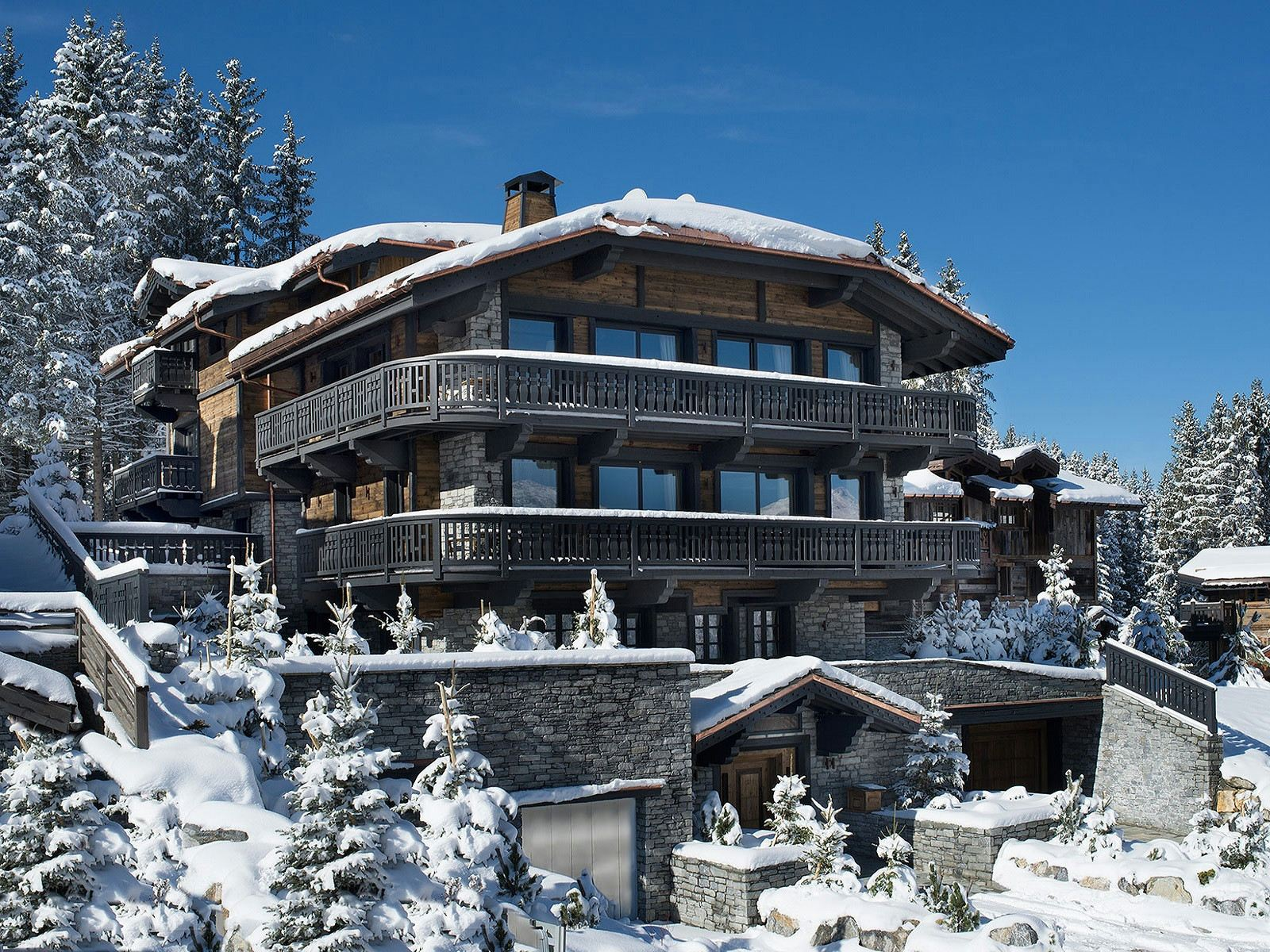 Villa per Affitto alle ore Luxury chalet for rent in Courchevel Edelweiss Courchevel, Rodano-Alpi, 73120 Francia