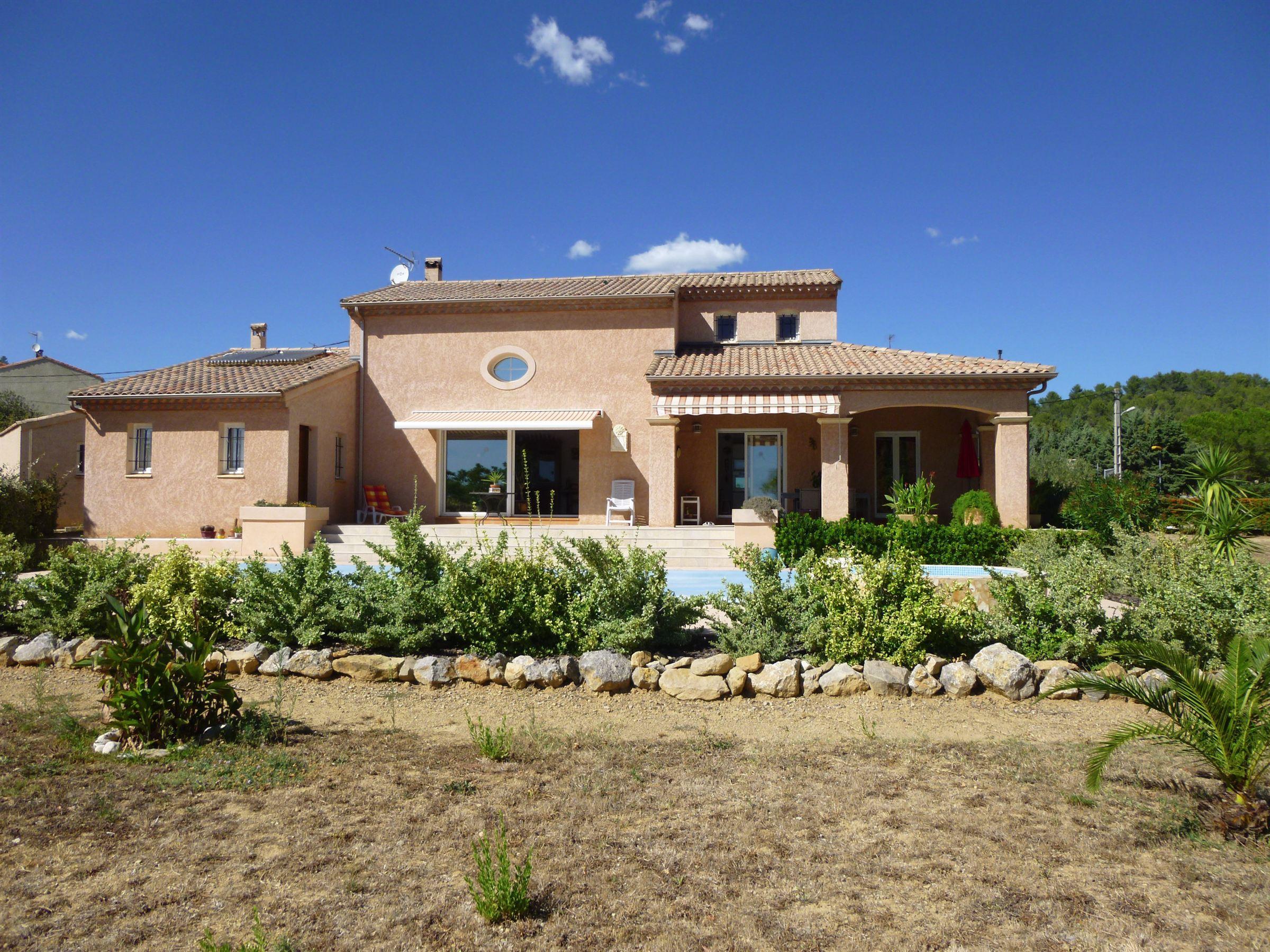 Single Family Home for Sale at Belle villa d'architecte Narbonne, Languedoc-Roussillon, 11100 France