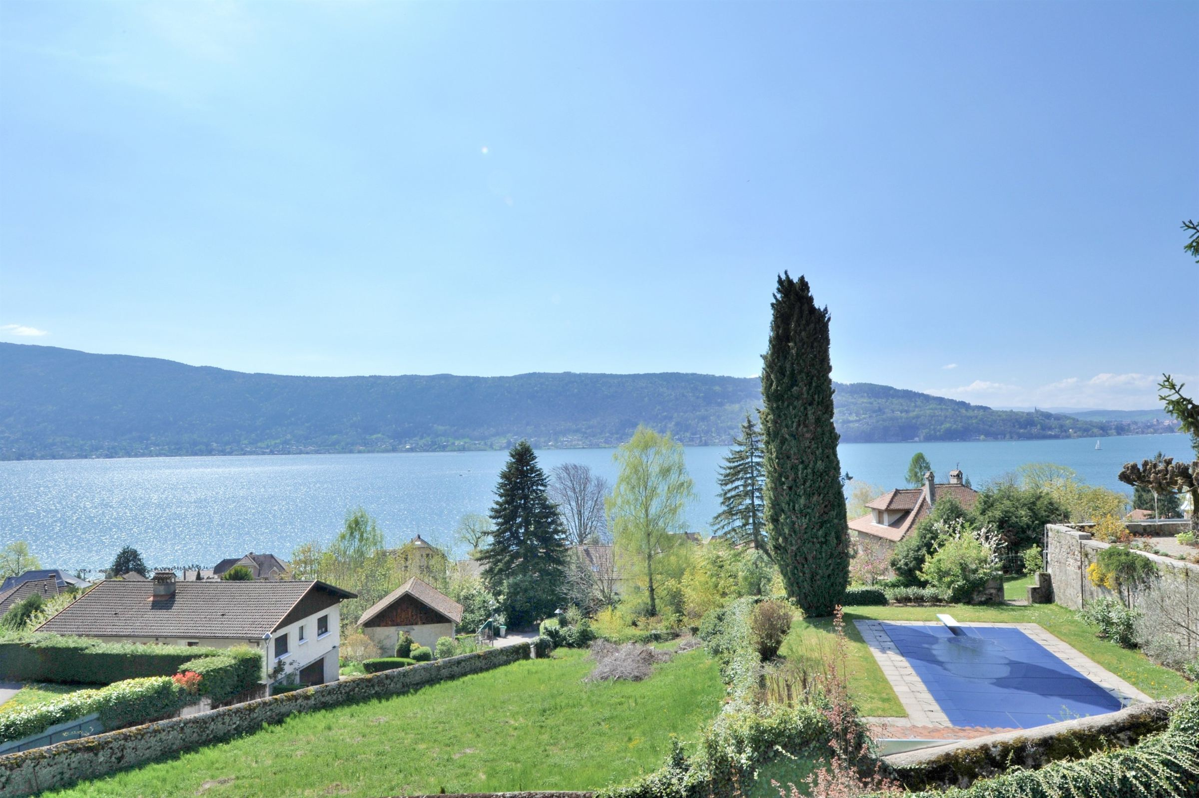 Property For Sale at Propriété vue lac d'Annecy