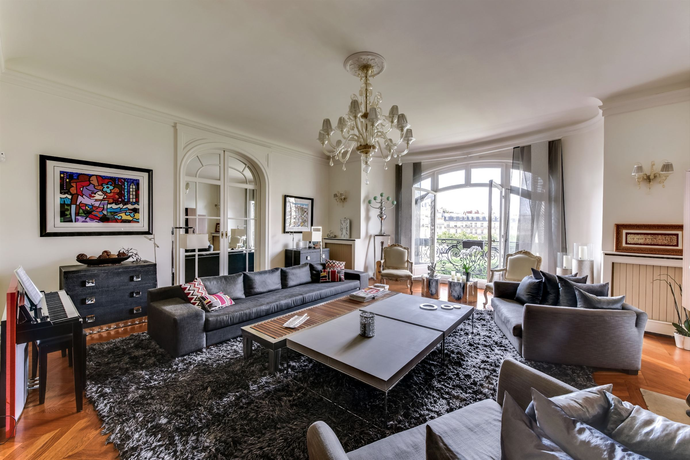 sales property at Apartment with a large balcony for sale in Paris 16th - Henri Martin