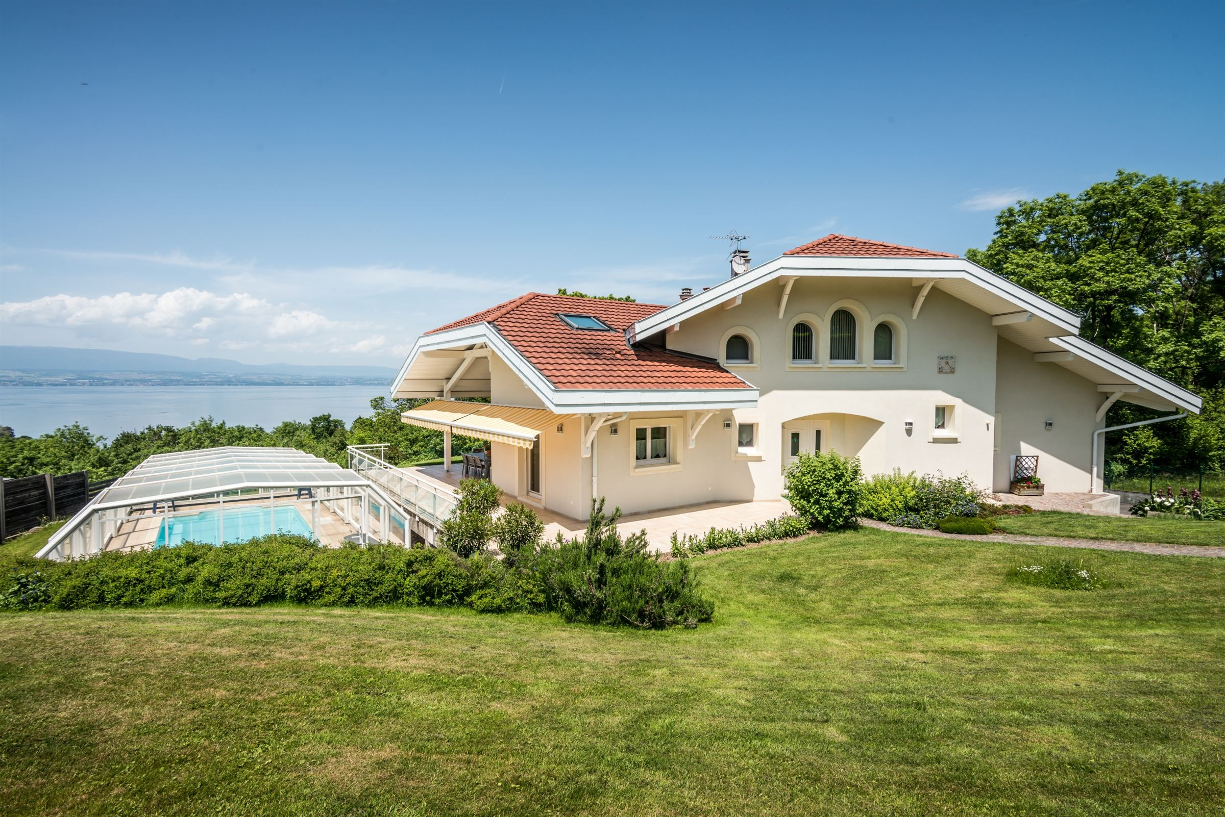 Single Family Home for Sale at PUBLIER : NICE VILLA LAKE VIEW Publier, Rhone-Alpes, 74500 France