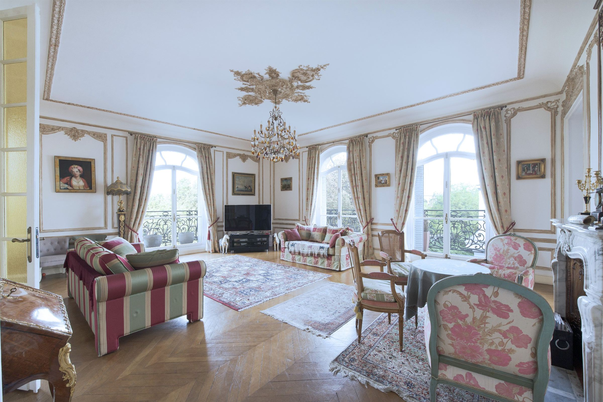 sales property at For sale lovely family apartment in Paris 16 - Foch - Pergolèse