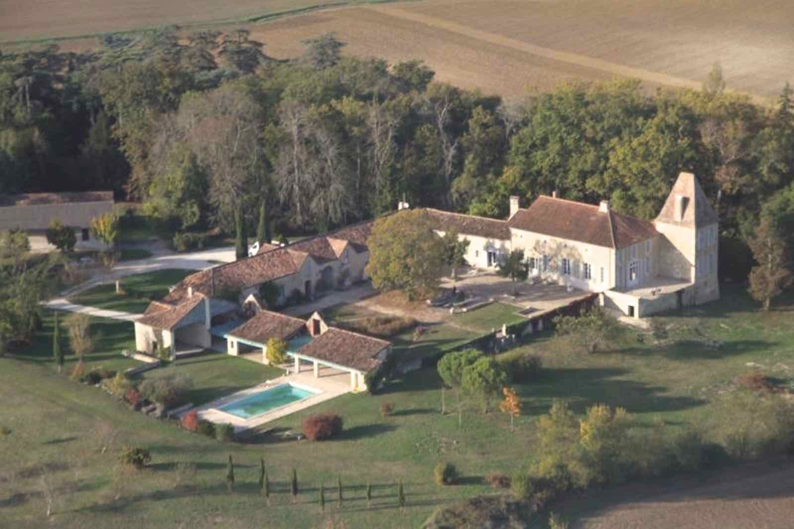 Property For Sale at BORDEAUX - EXCLUSIVE - STUNNING HISTORICAL ESTATE - BEAUTIFULLY RENOVATED