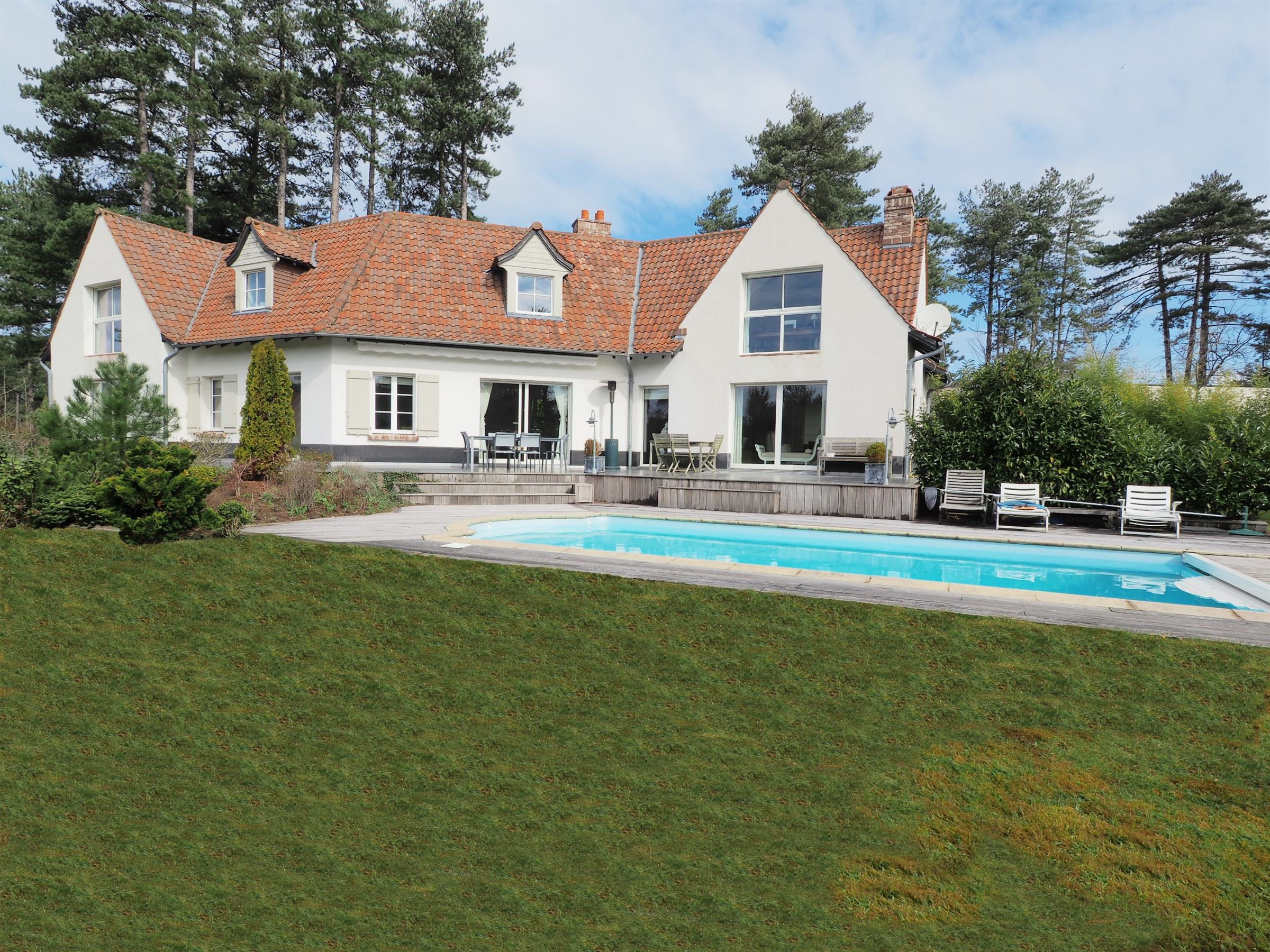sales property at HARDELOT GOLF, 252sqm Luxury villa. 6 Br. swimming pool