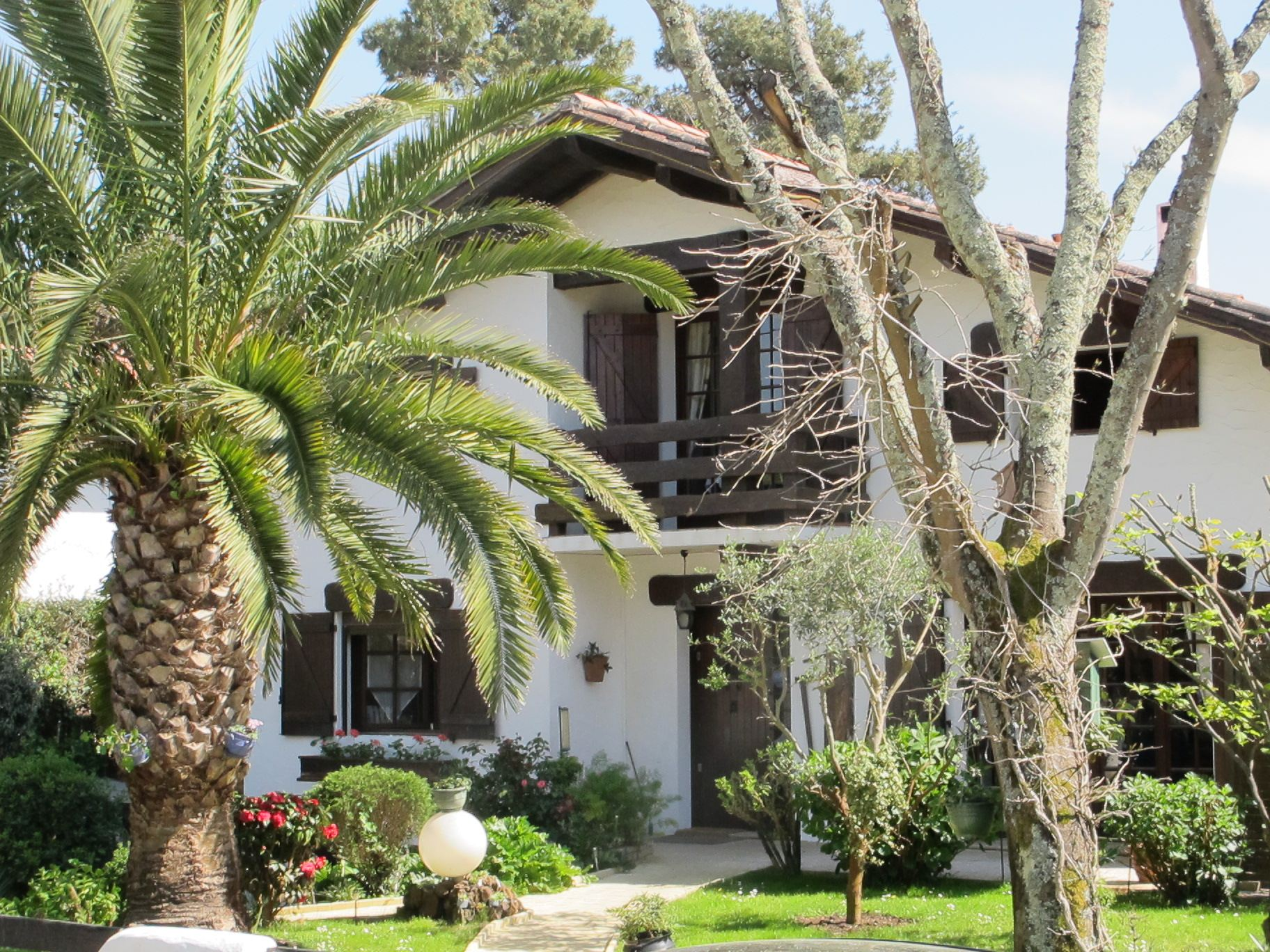 sales property at PYLA SUR MER - TYPICAL VILLA NEAR THE BEACH