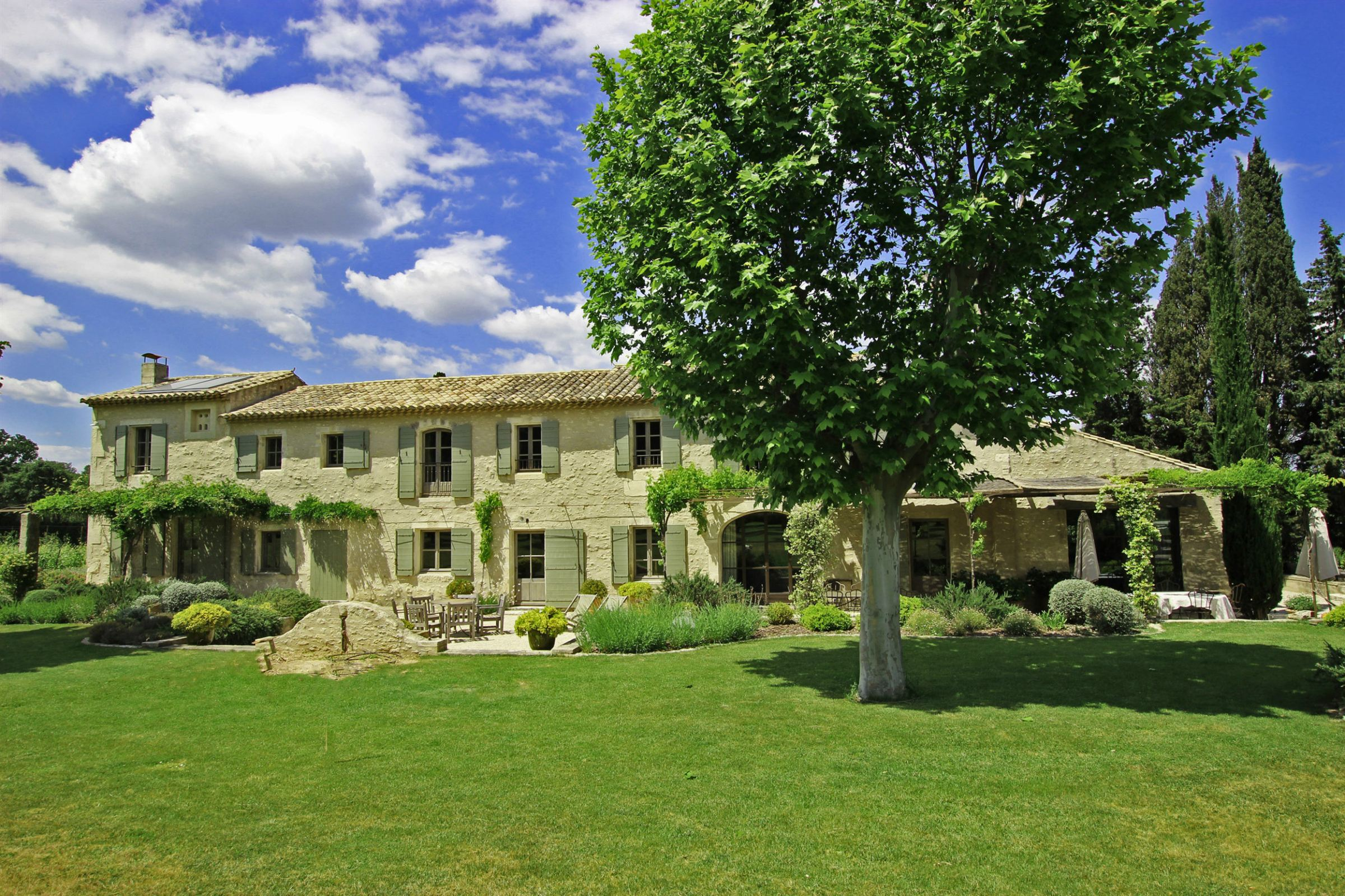 Property For Sale at Stunning domain in St Remy de Provence
