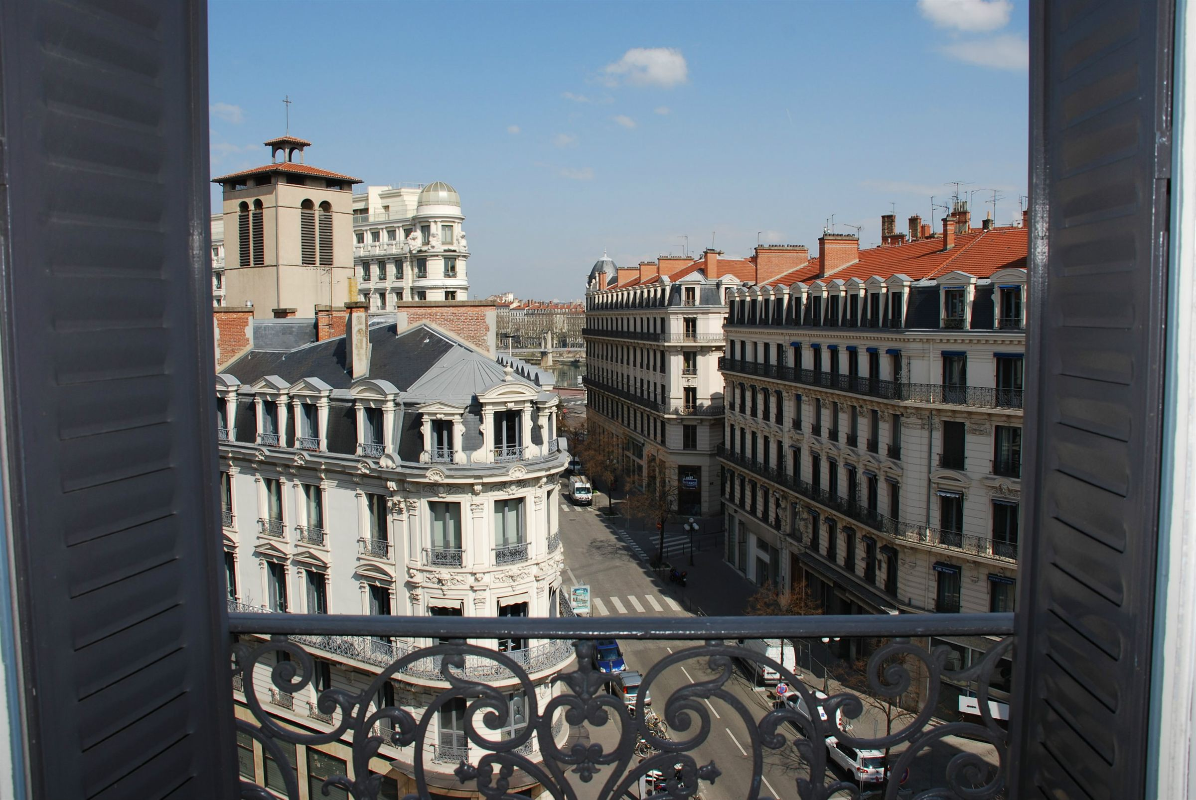 Квартира для того Продажа на LYON 2 / GROLEE - 5 PIECES EN ETAGE ELEVE Lyon, Рона-Альпы, 69002 Франция