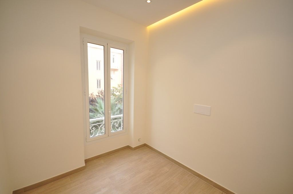 Property Of Beautiful 2 bedroom flat, luxurious renovation