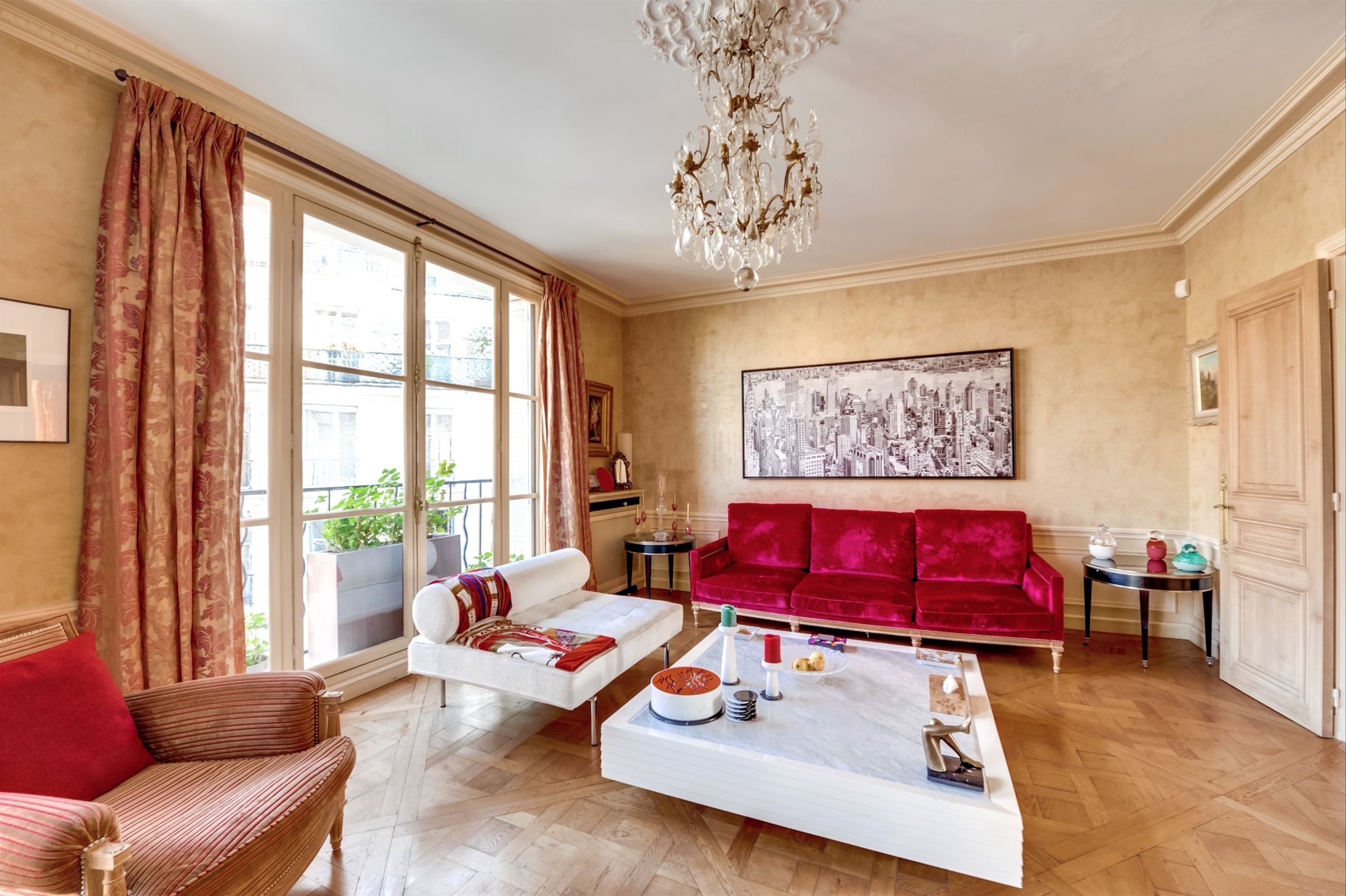 sales property at On sale through apartment in Paris 7 - Rodin Museum