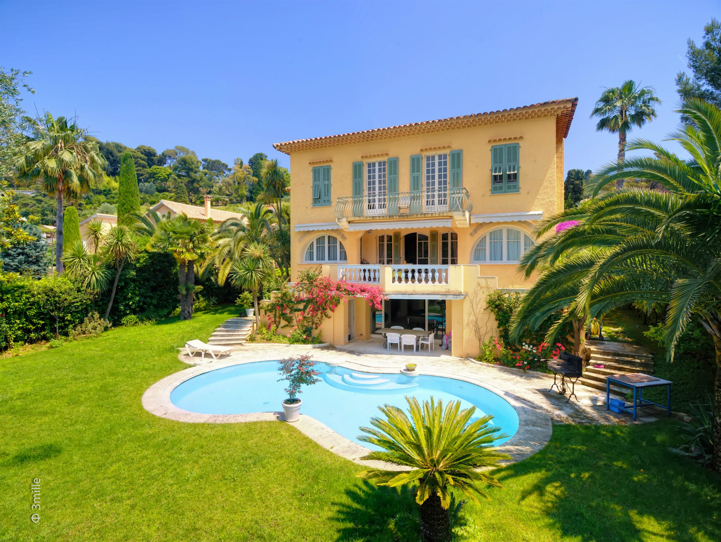 Single Family Home for Sale at Charming Villa for sale in a private domain, Cap Ferrat Other Provence-Alpes-Cote D'Azur, Provence-Alpes-Cote D'Azur, 06230 France